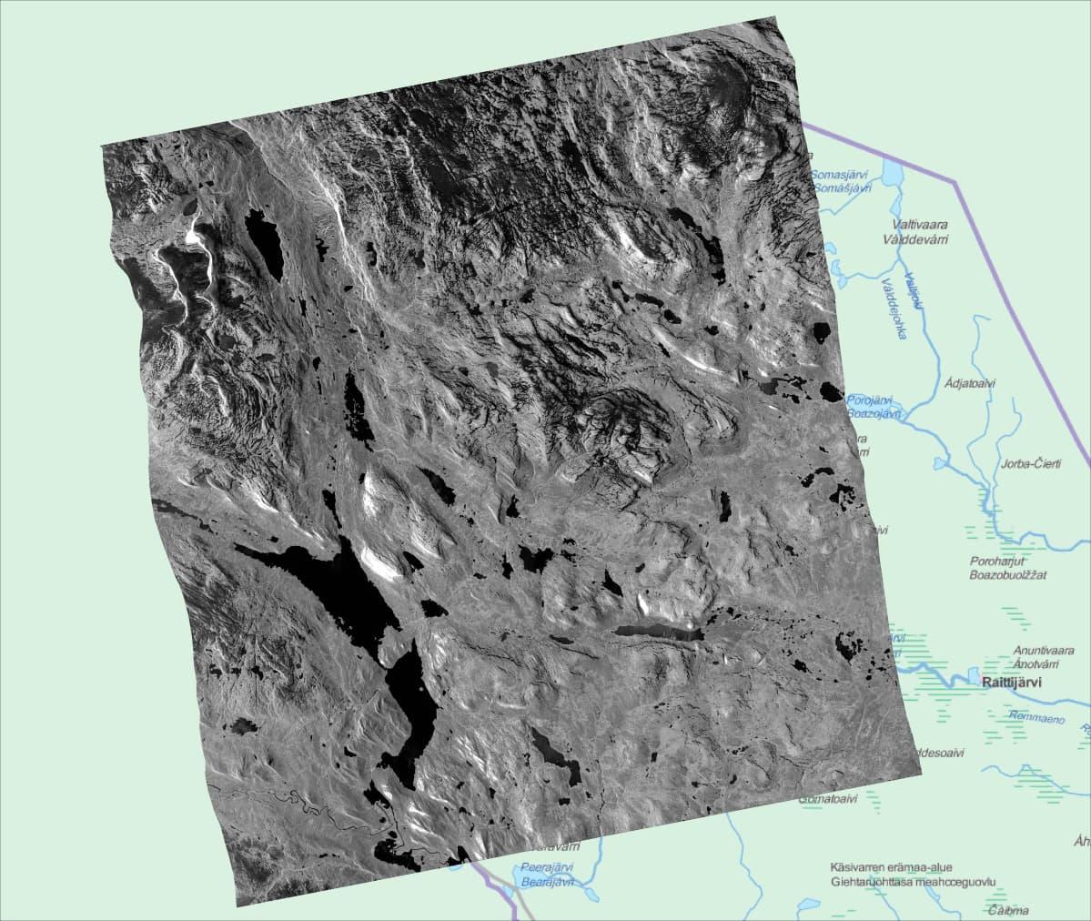 COSMO-SkyMed tutkasatelliittikuva Käsivarresta pilvipeitteen läpi on otettu aamulla 16.6.2016. Kuvan suurin järvi on Kilpisjärvi, josta jäät lähtivät tavallista aiemmin tänä keväänä.