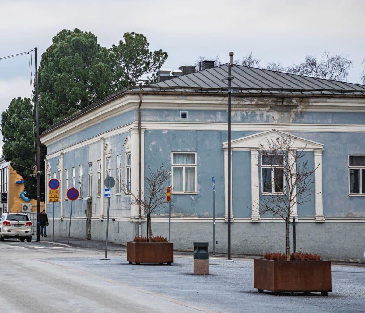 Simeliuksen talo Pietarsaaren torin laidalla.