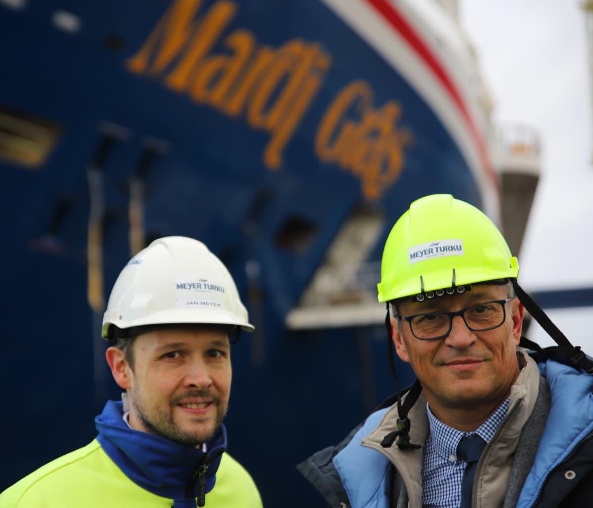 Meyer Turun toimitusjohtaja Jan Meyer ja Carnival Cruise Linesin senior vice president Ben Clement