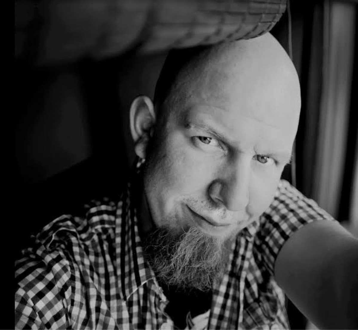Jyväskyläläinen valokuvaaja Tommi Anttonen.