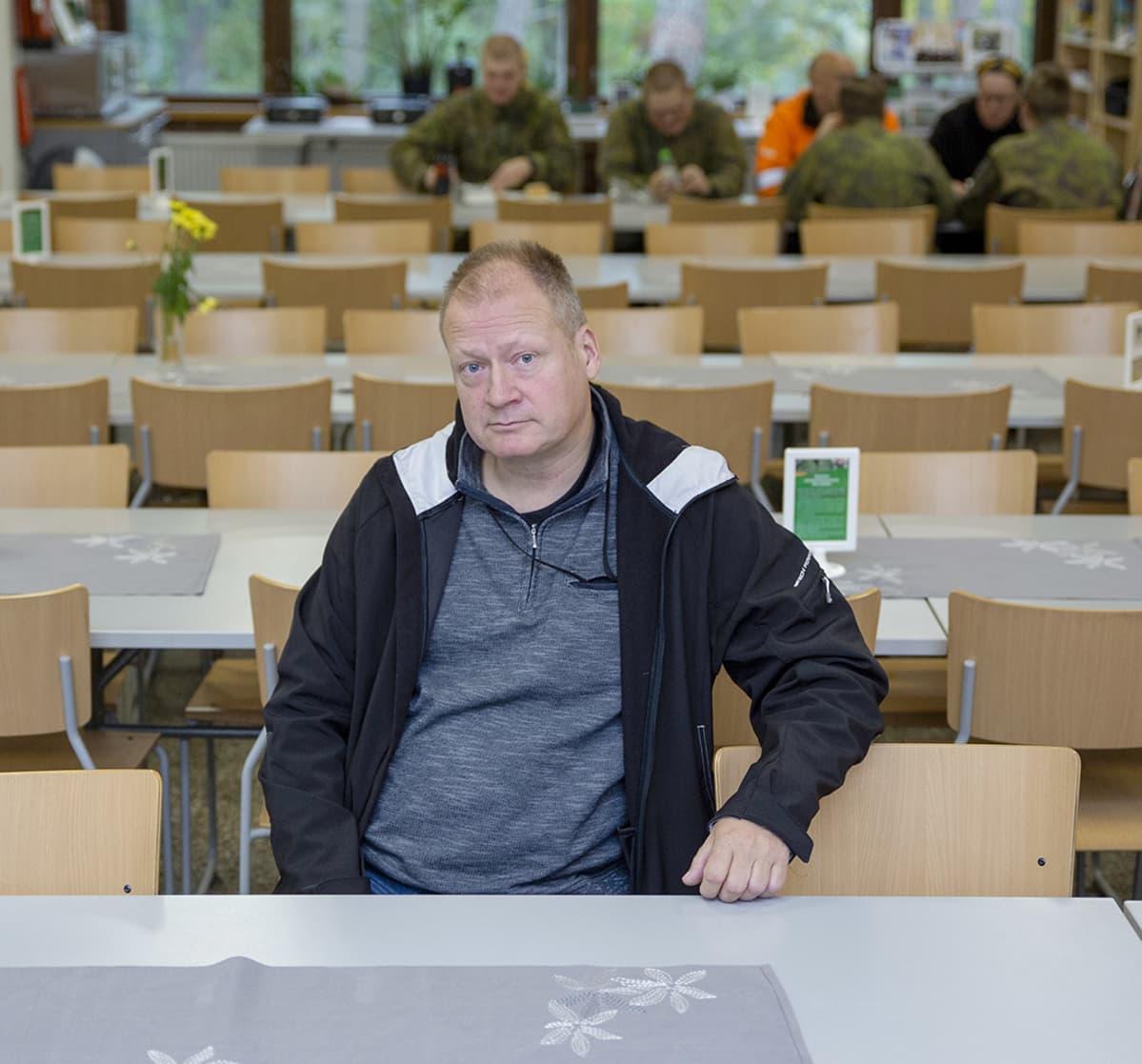 Sosiaalikuraattori Jarmo Österlund Kaartin jääkärirykmentistä