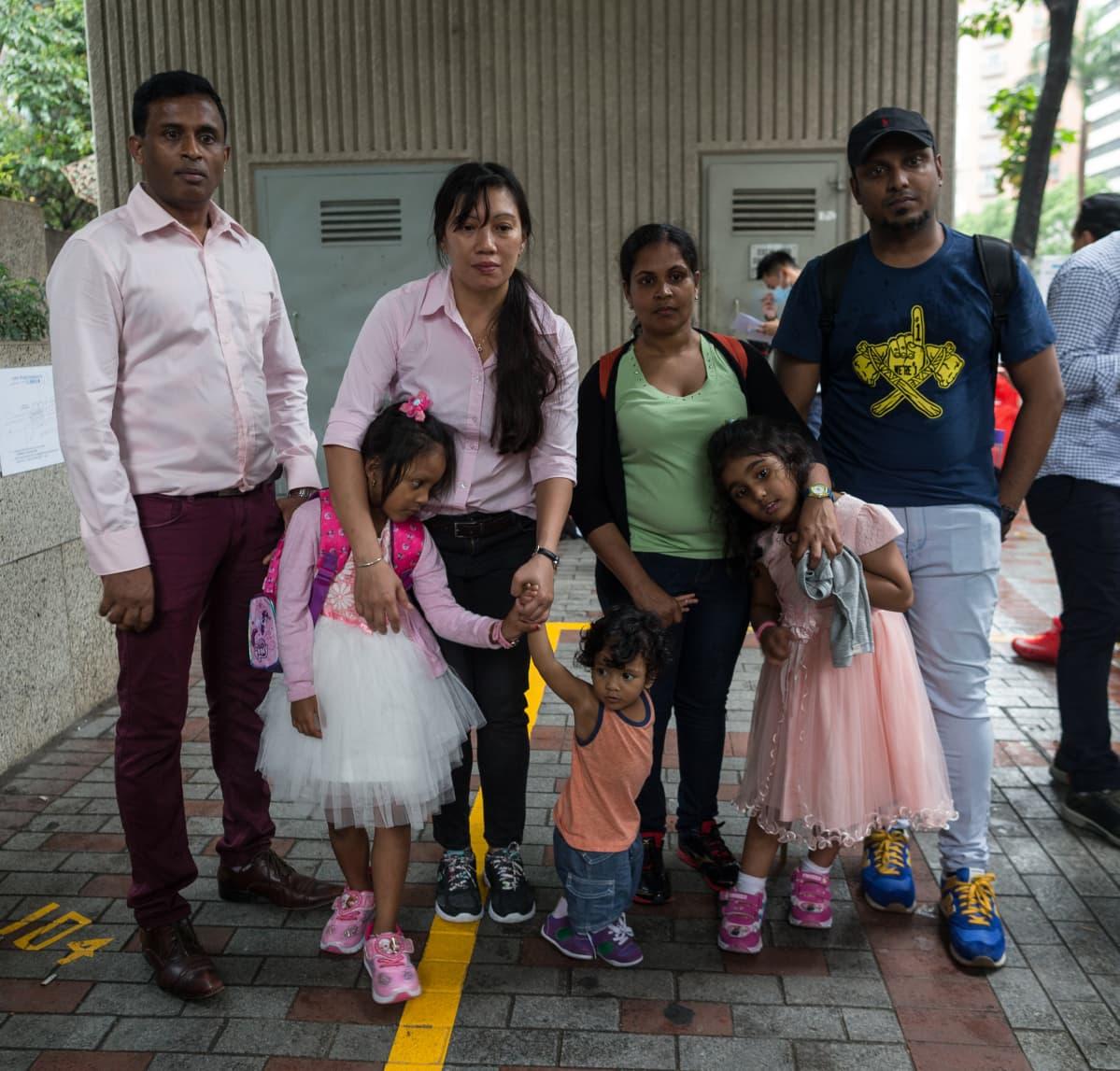 Snowdenia Hongkongissa majoittaneita ihmisiä.