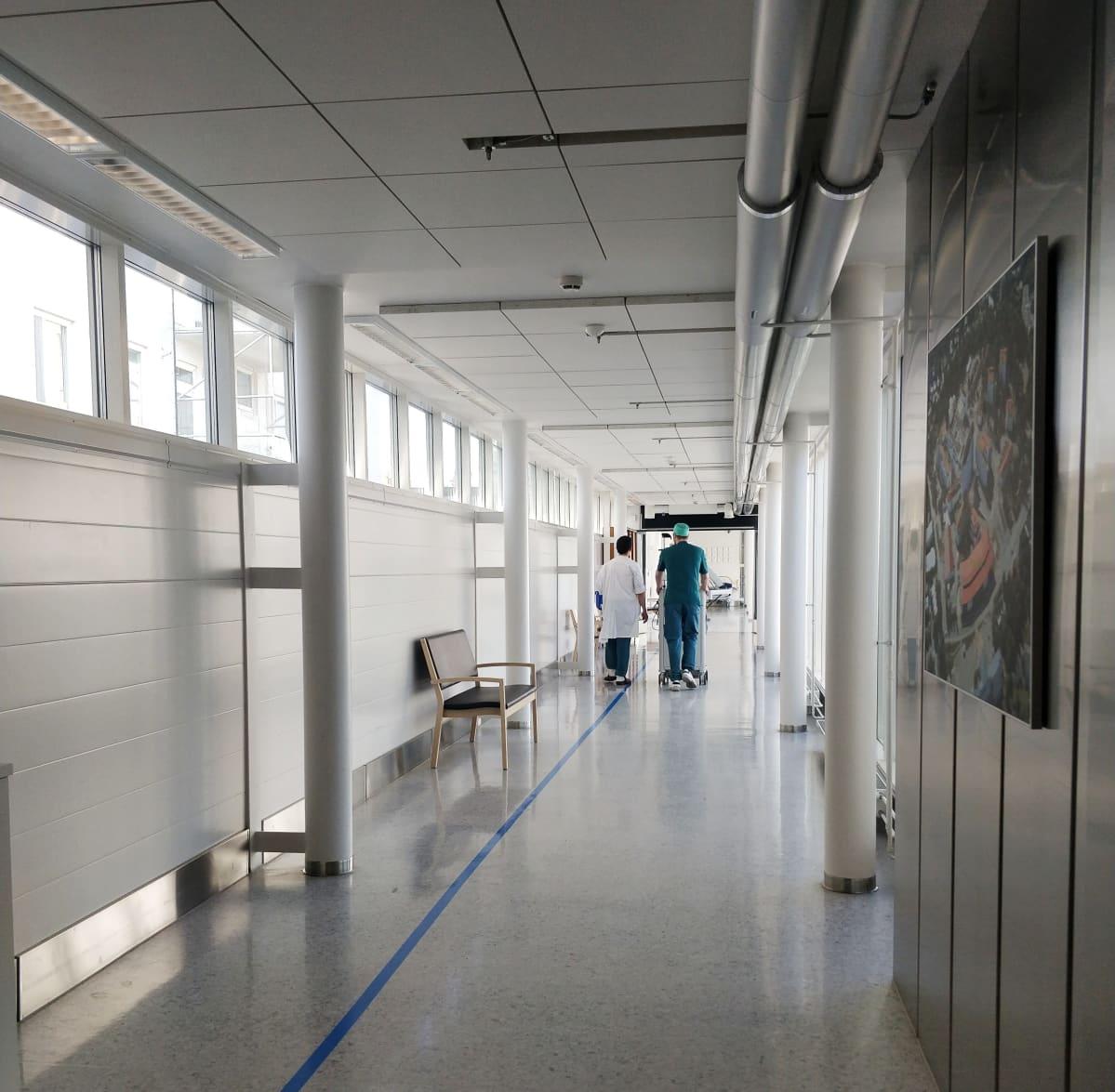 Kuvassa on Joensuun keskussairaalan sairaanhoitajia.