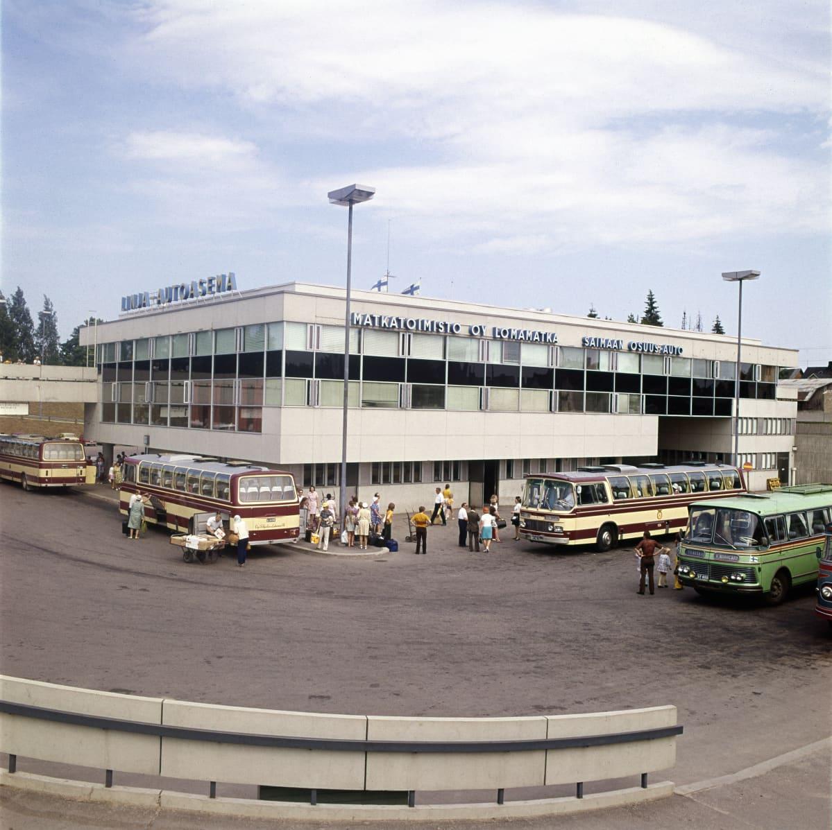 Lappeenrannan linja-autoasema vuonna 1973.