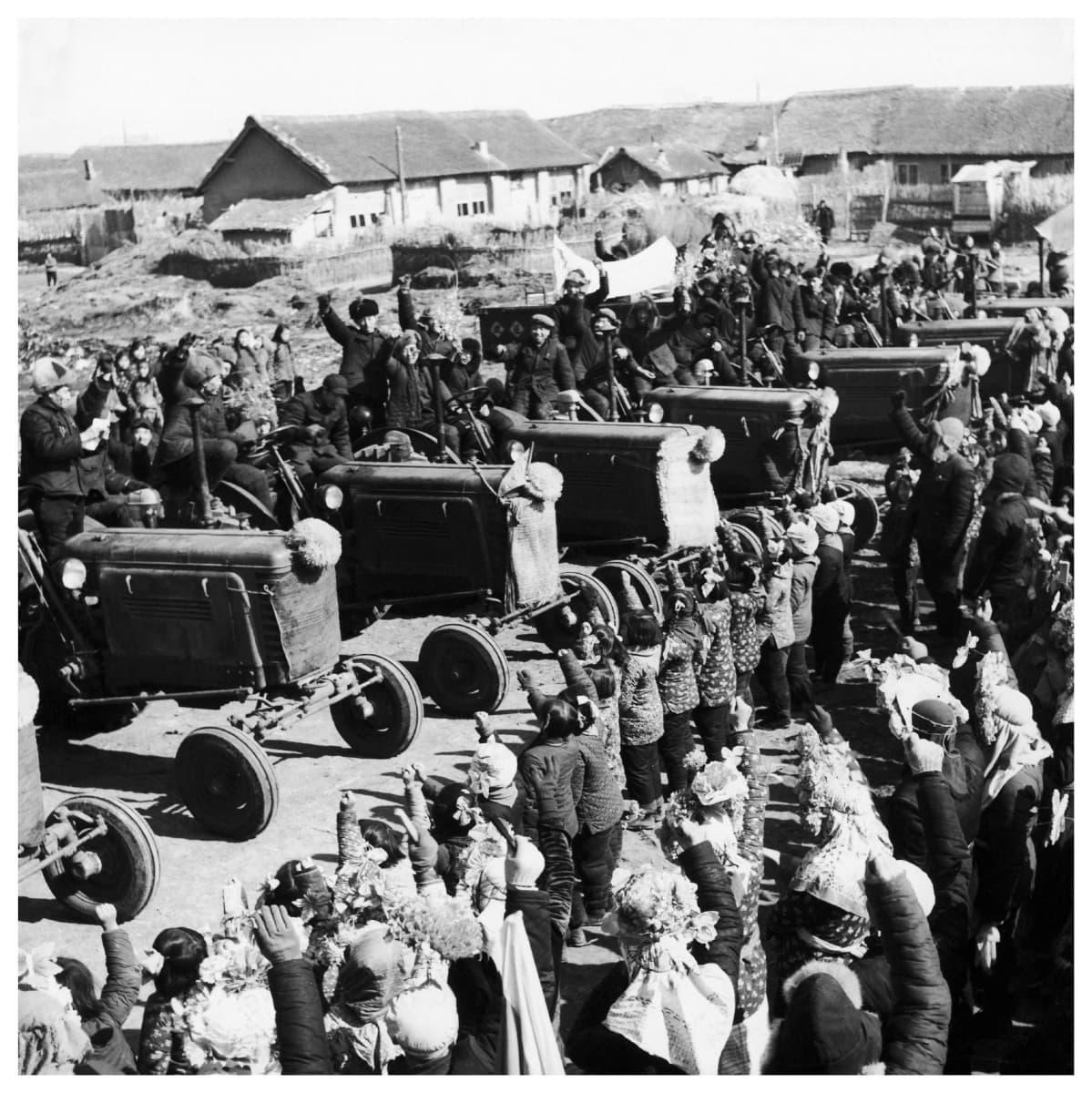 Kiinalaisia talonpoikia 1950-luvulla.