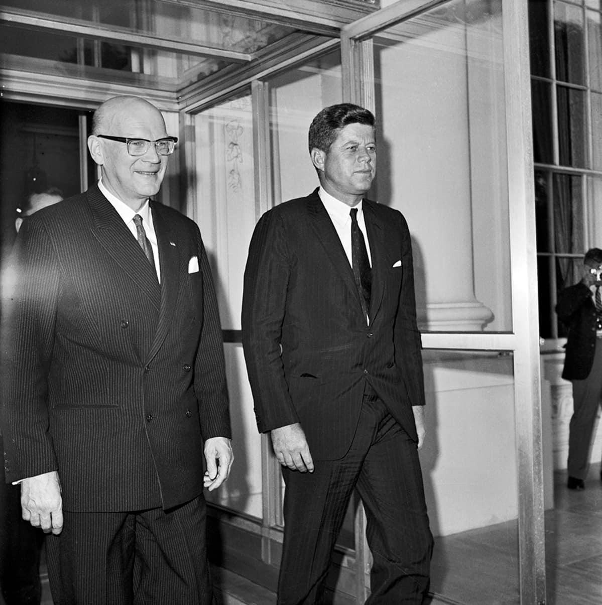 Presidentit Kekkonen ja Kennedy