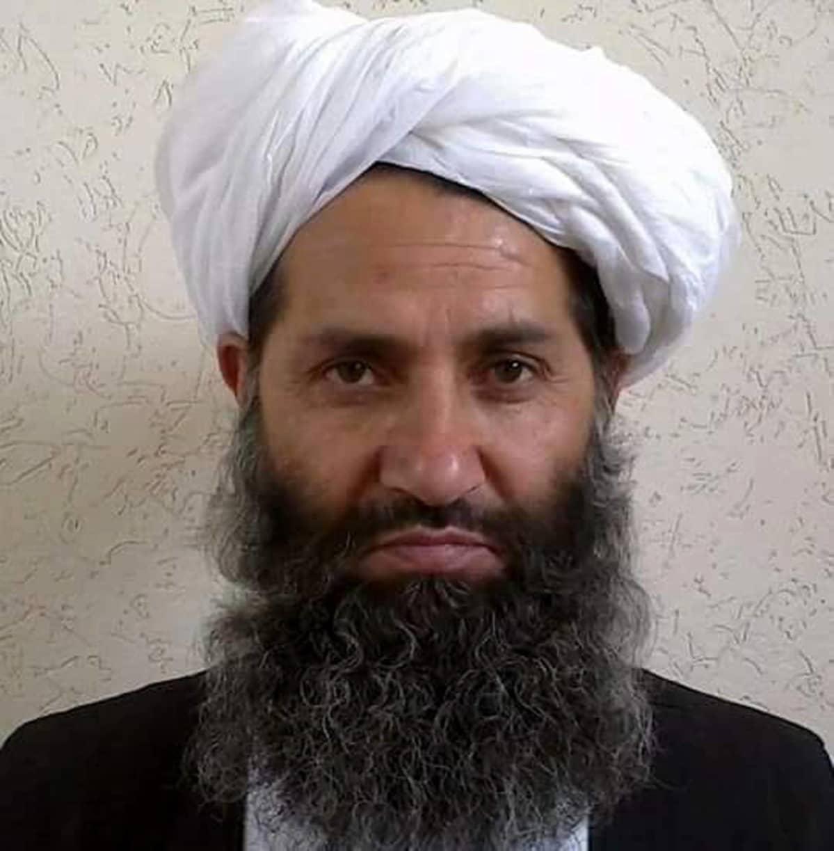 Talibanin korkein johtaja Mawlawi Hibatullah Akhundzada kuvattuna vuonna 2016.