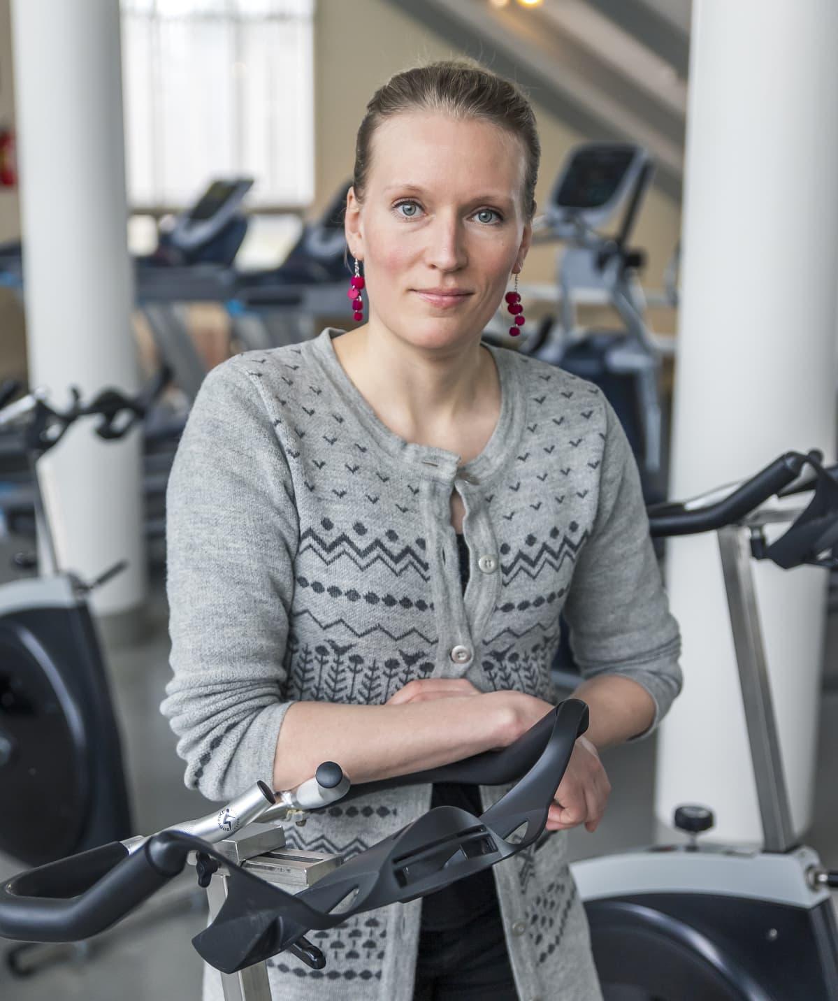 Fysioterapeutti, väitöskirjatutkija Riikka Holopainen, Jyväskylän yliopisto.