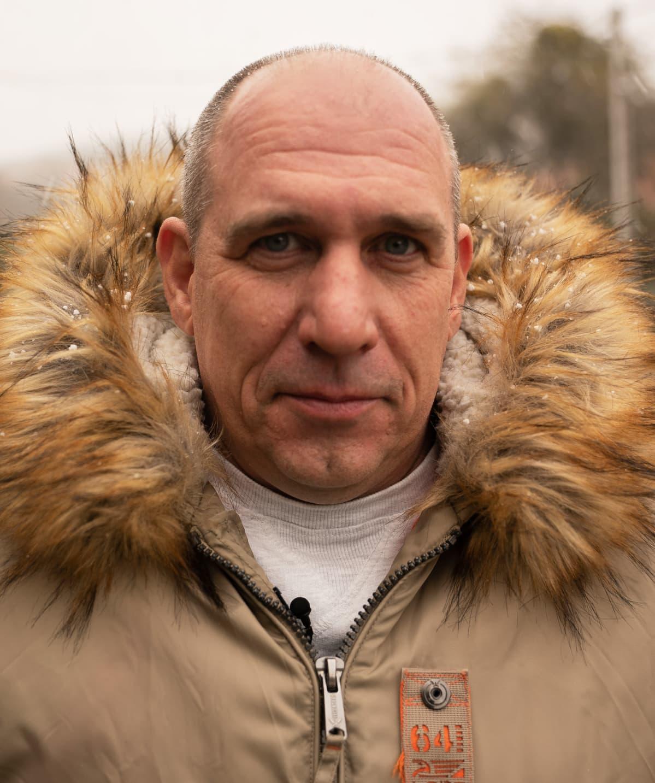 Terveydenhuollon asiantuntija Zsombor Kunetz sanoo Unkarin sairaanhoidon ylikuormittuneen pandemian vuoksi.