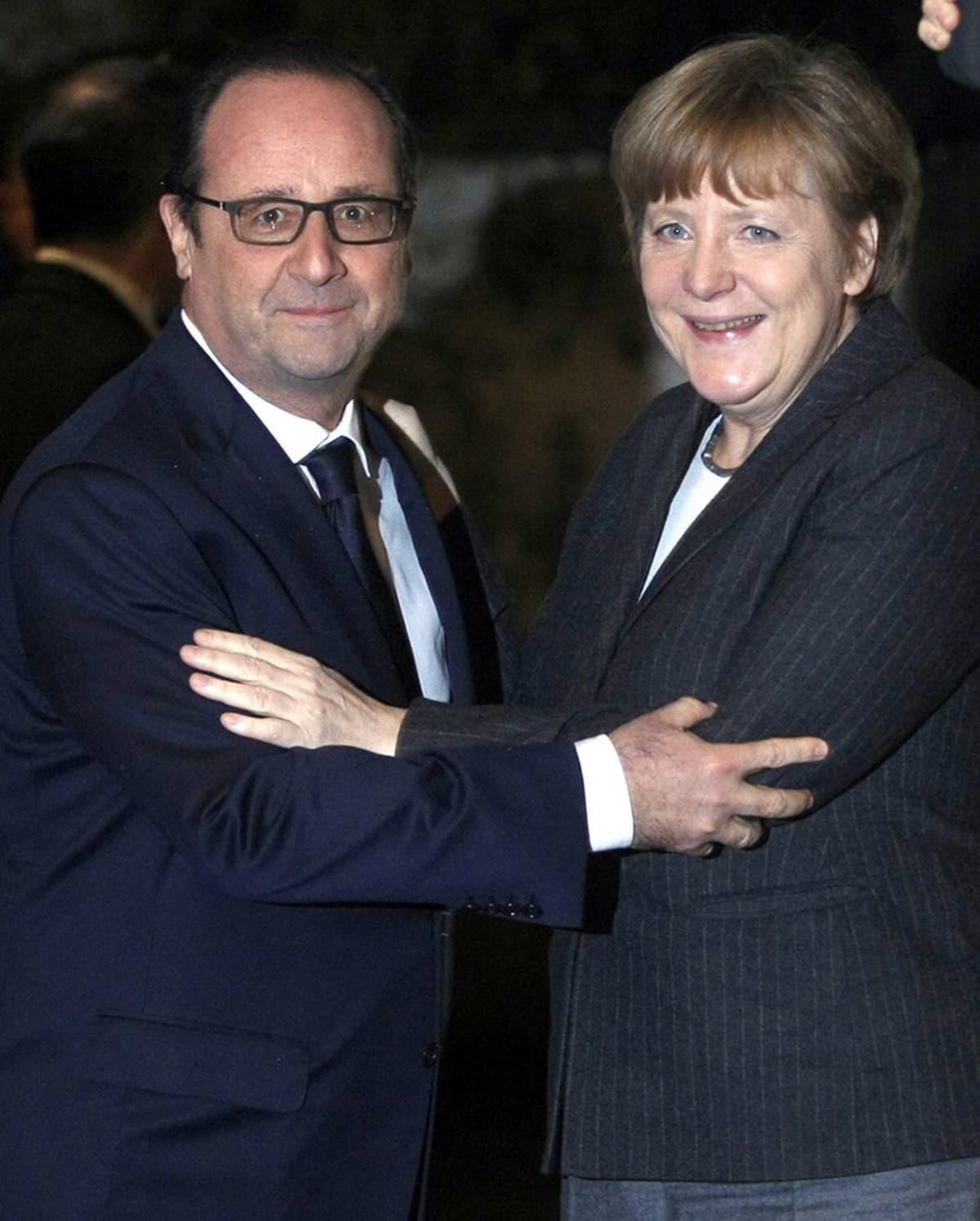 Francois Hollande ja liittokansleri Angela Merkel.