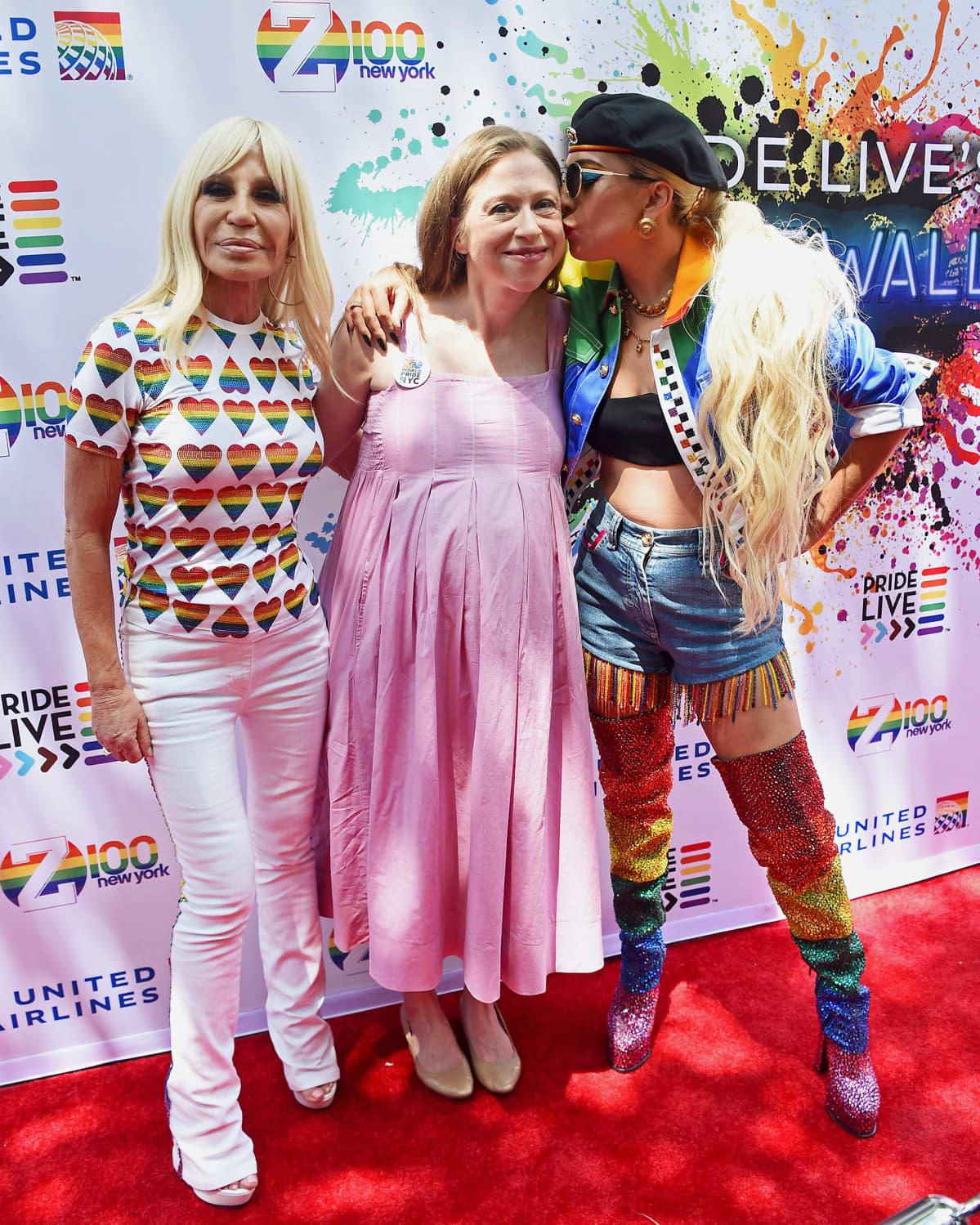 Donatella Versace, Chelsea Clinton ja Lady Gaga.