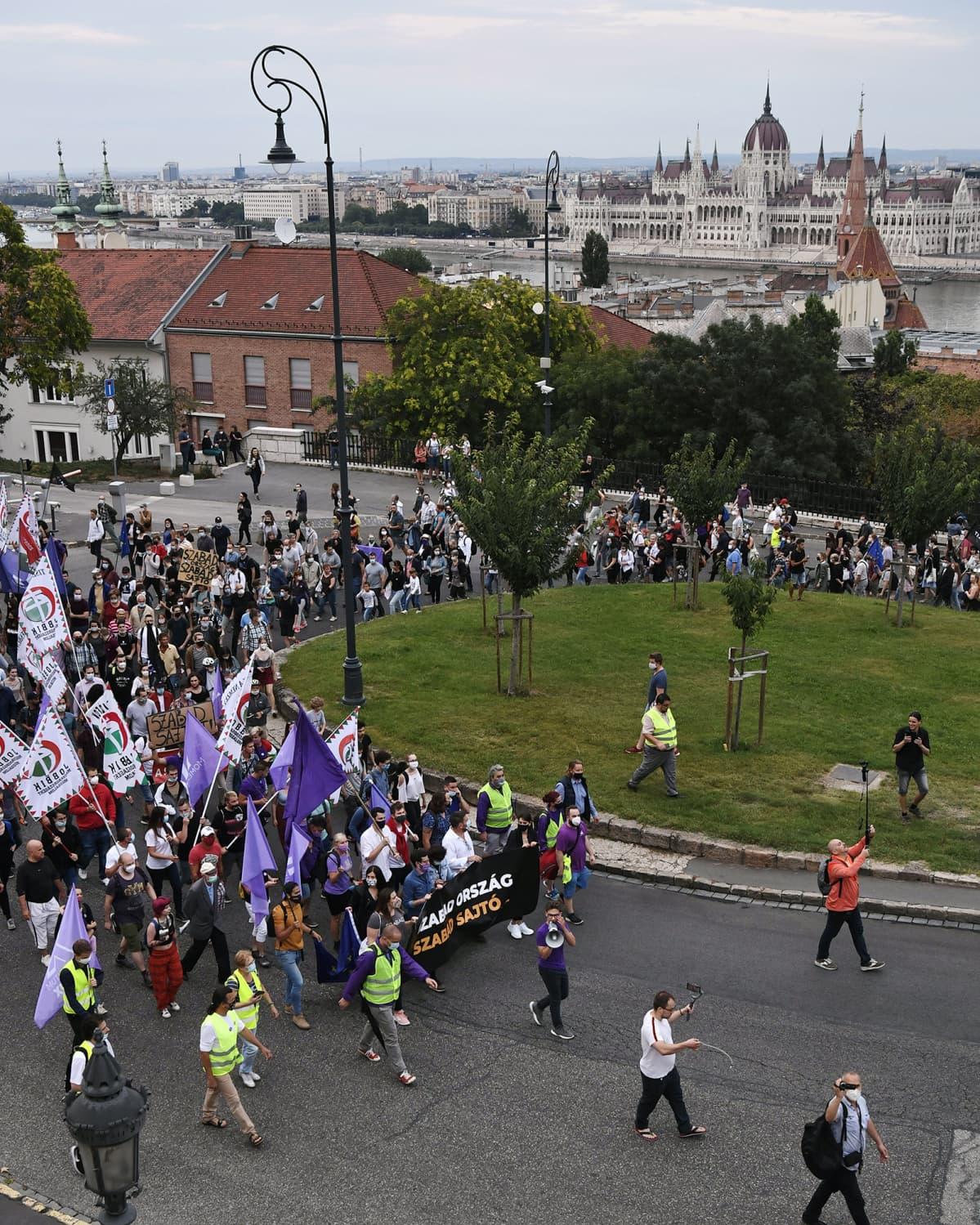 Mielenosoitus Budepestissä heinäkuussa.