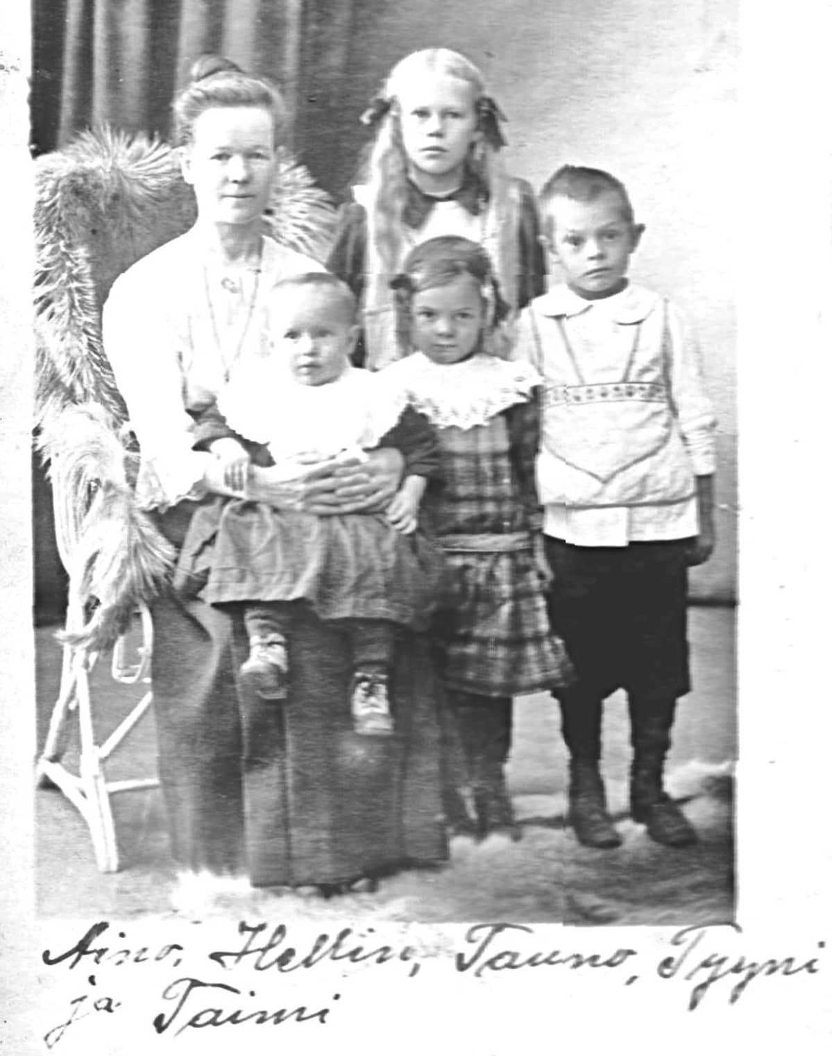 Aino Toivosen perhe