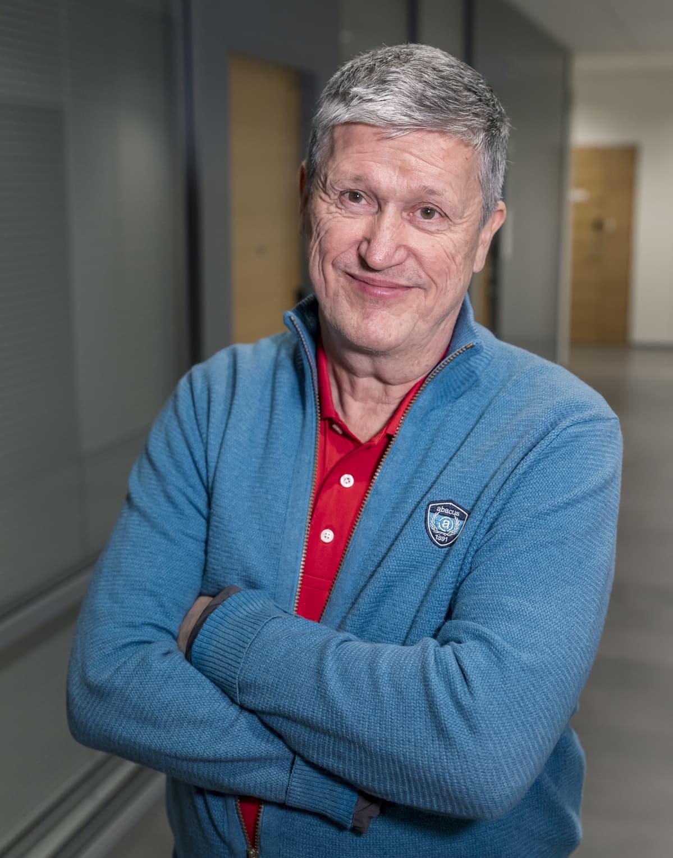 Fysiatrian professori Jaro Karppinen, Oulun yliopisto.