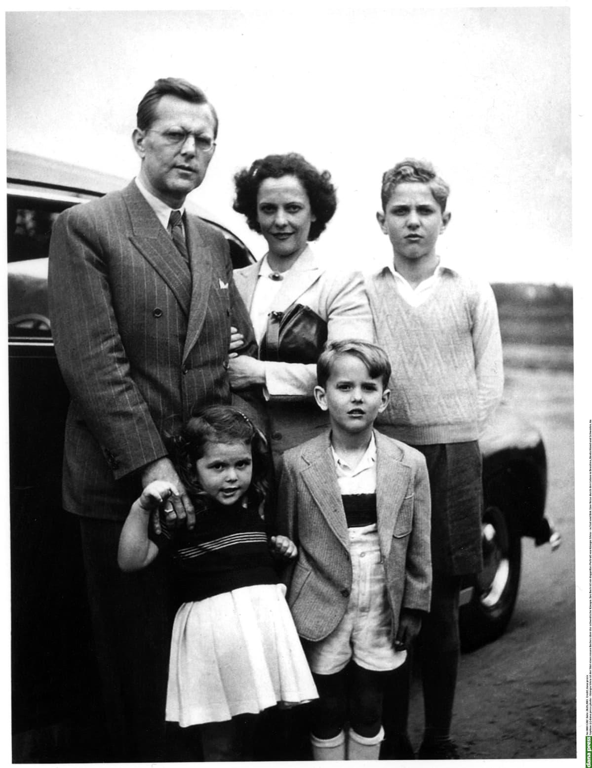 Sommerlathien perhepotretti 1940-luvulla.