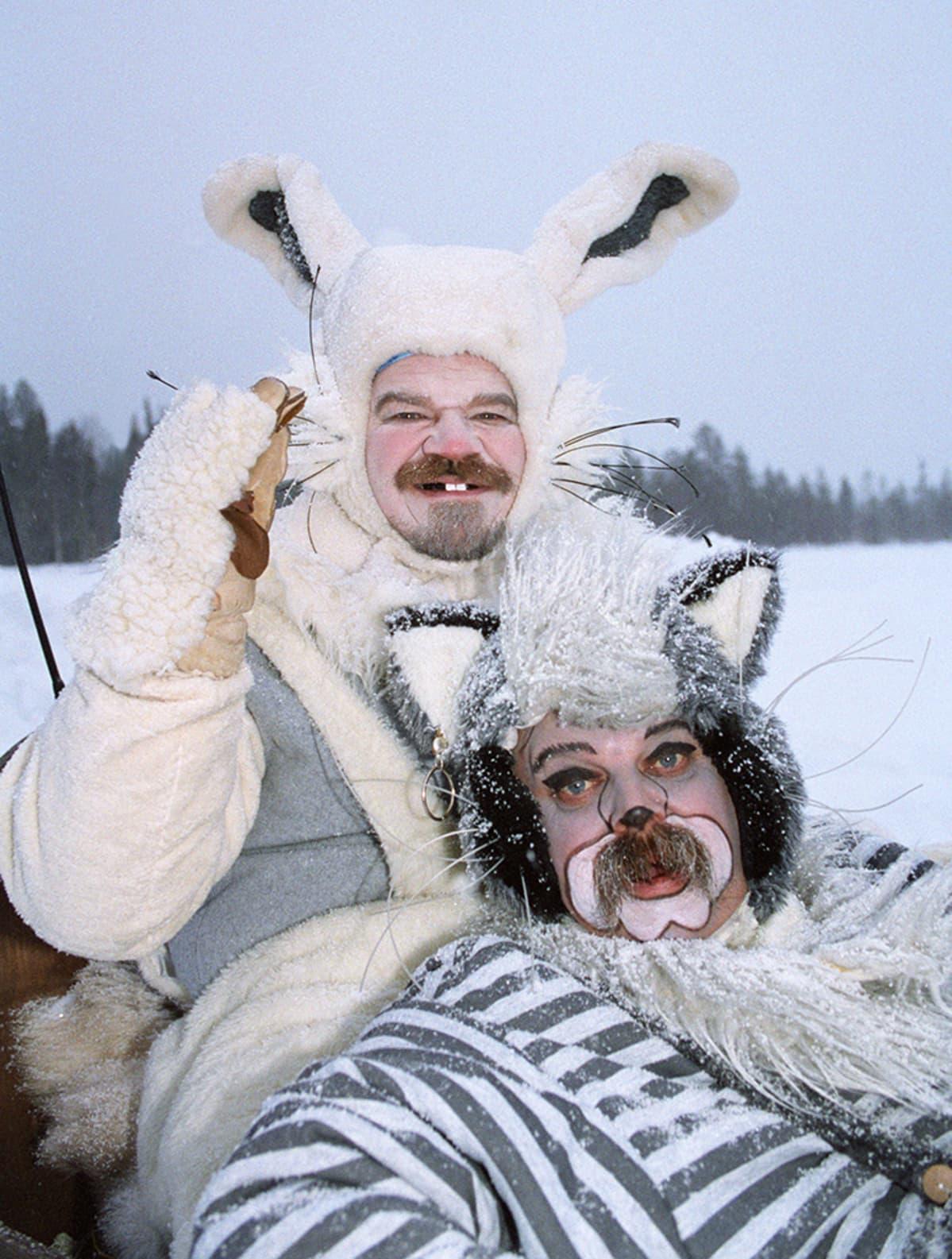 Eläimiksi meikatut ja pukeutuneet M.A.Numminen ja Pedro Hietanen.