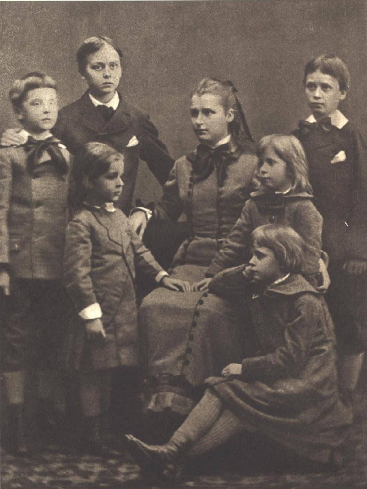 Mannerheimin lapset vuonna 1881.