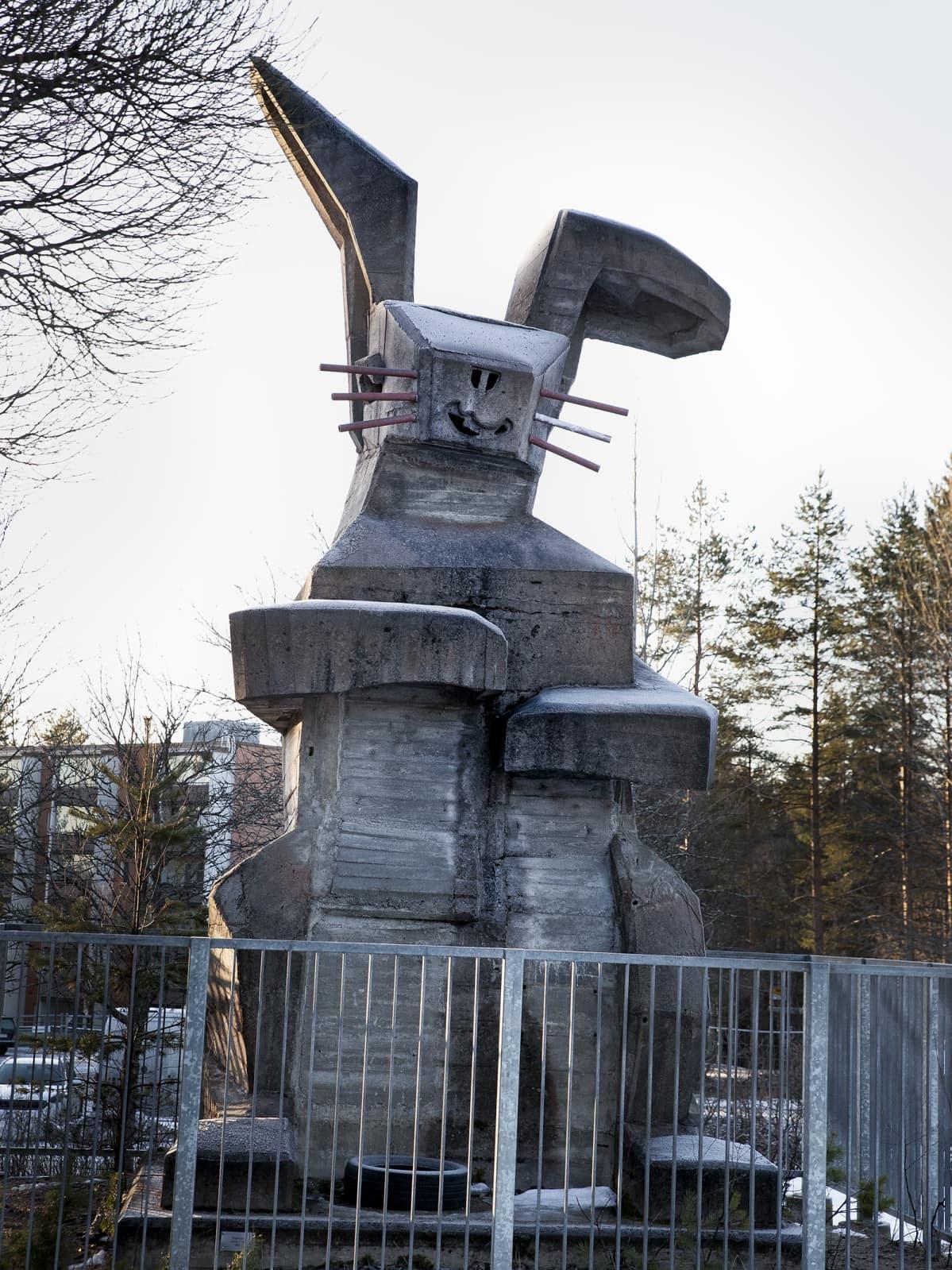 Helmer Selinin suunnittelema betoninen Pupumuori.