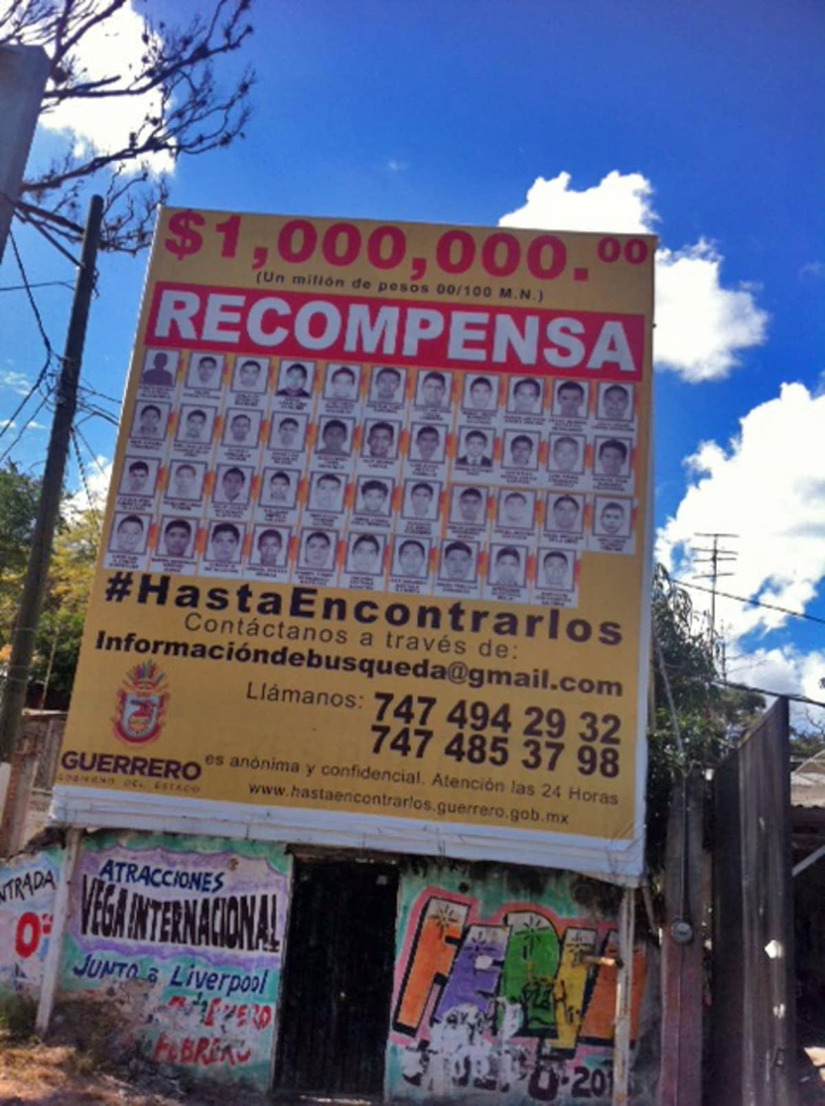 Ayotzinapassa hallinto lupaa miljoonan peson löytöpalkkiota, jos kadonneet opiskelijat löytyvät elossa.