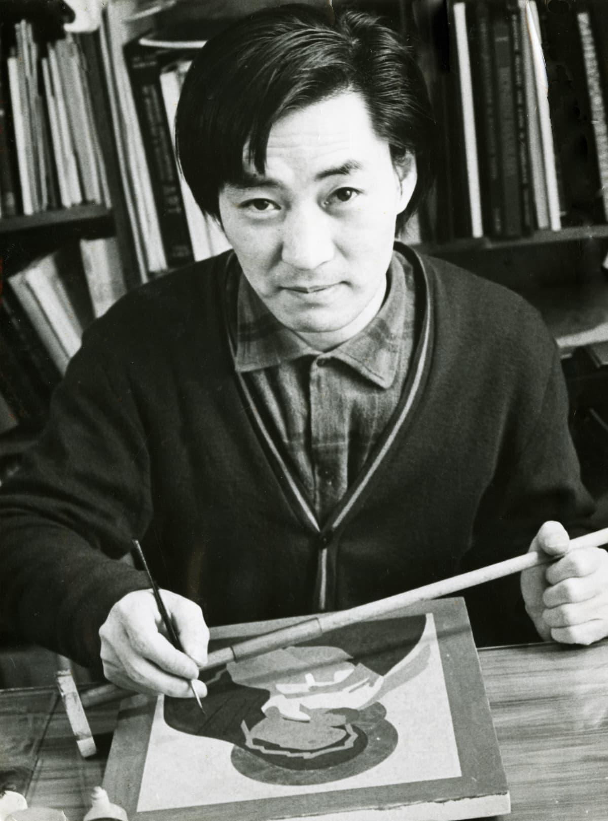 Japanilaissyntyinen Petros Sasaki (1939–1999) oli merkittävä ikonitaiteen edistäjä ja opettaja Suomessa.