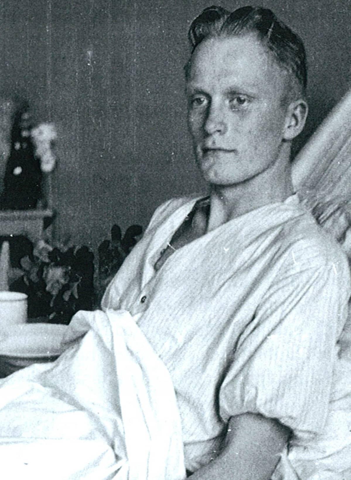 Leo Jokelainen sairaalassa