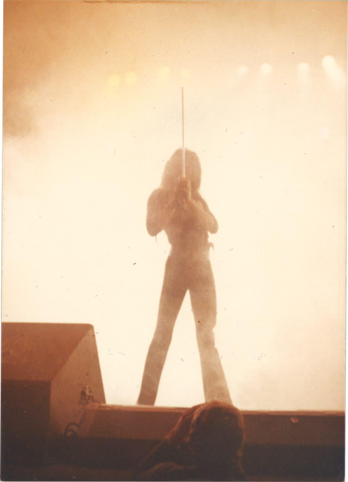 Freddie Mercury esiintyy Kulttuuritalolla 1974