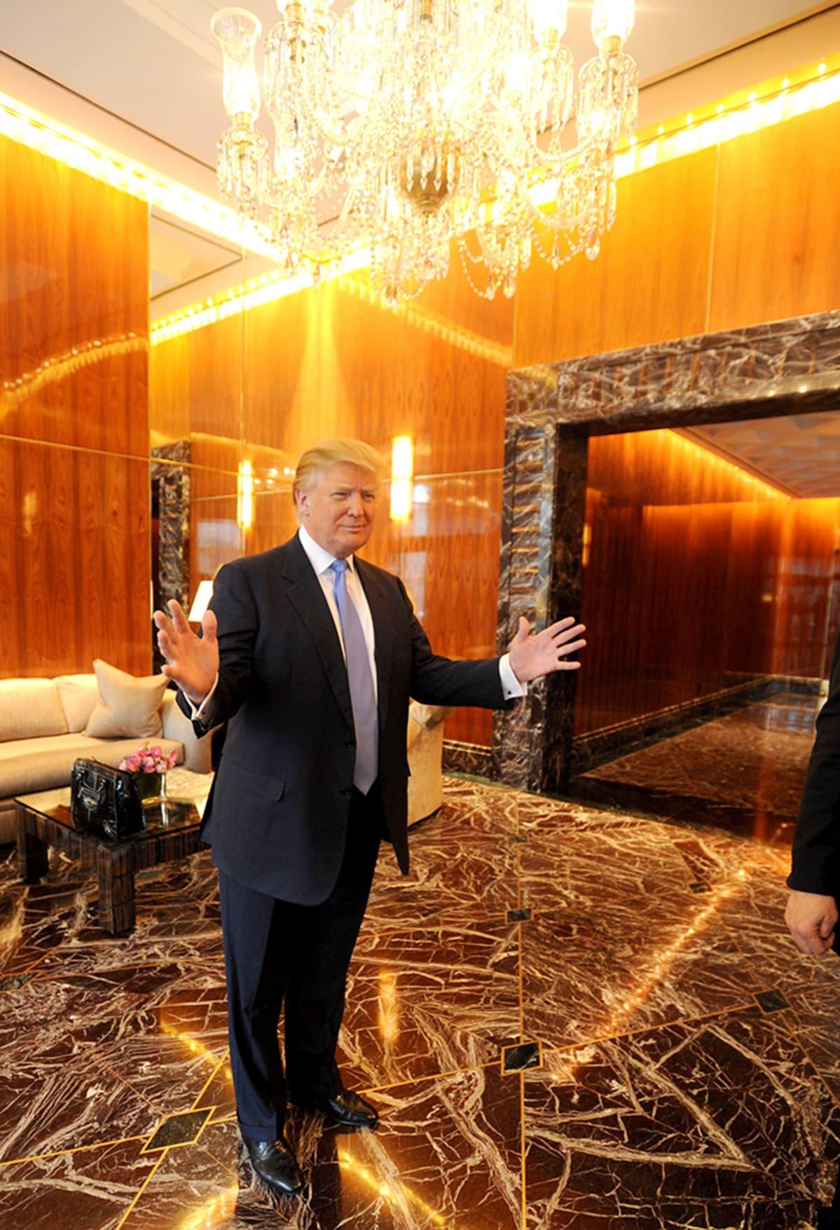 Donald trump hotelissaan.