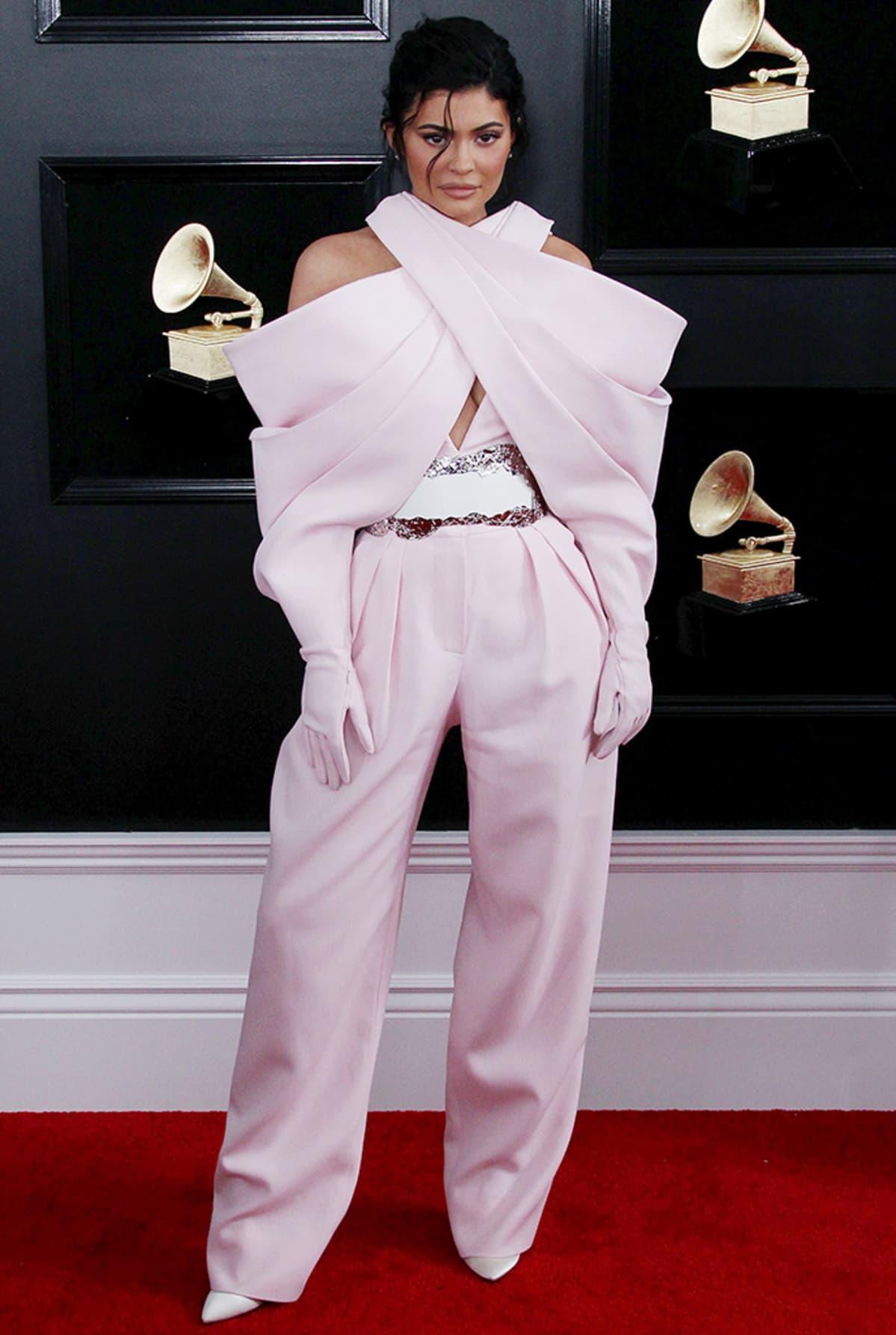 Myös Kylie Jenner luotti pinkkiin.