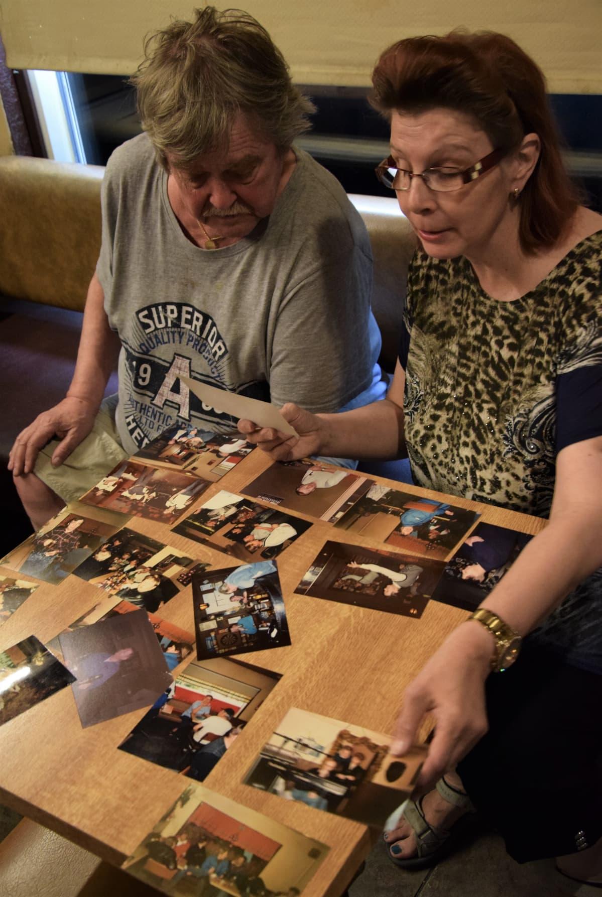 Seppo ja Anne Makkosen yhteinen taival alkoi Masan Baarin tiskillä.