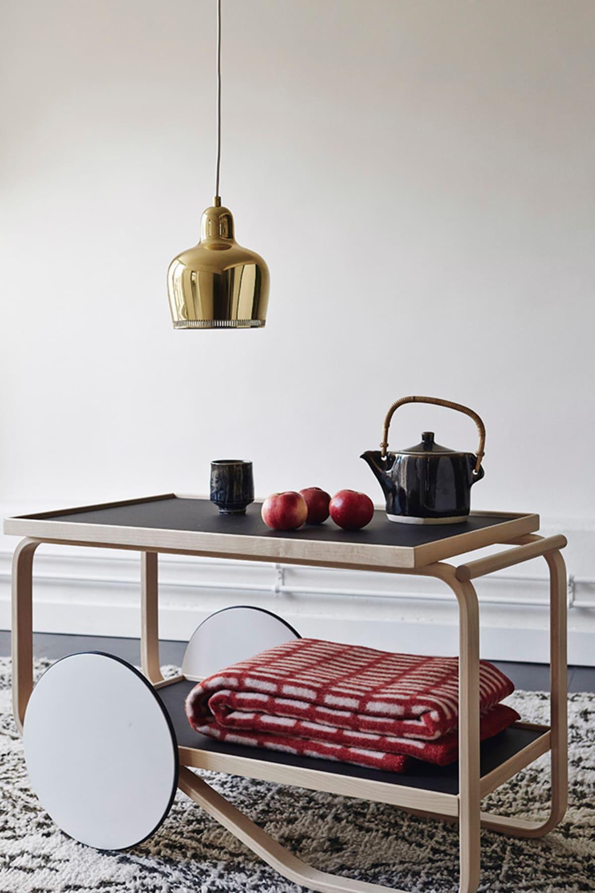 Vuonna 1935 perustettu Artek on myynyt suomalaista designia jo usean  sukupolven ajan.Mikko Ryhänen e393e37c89