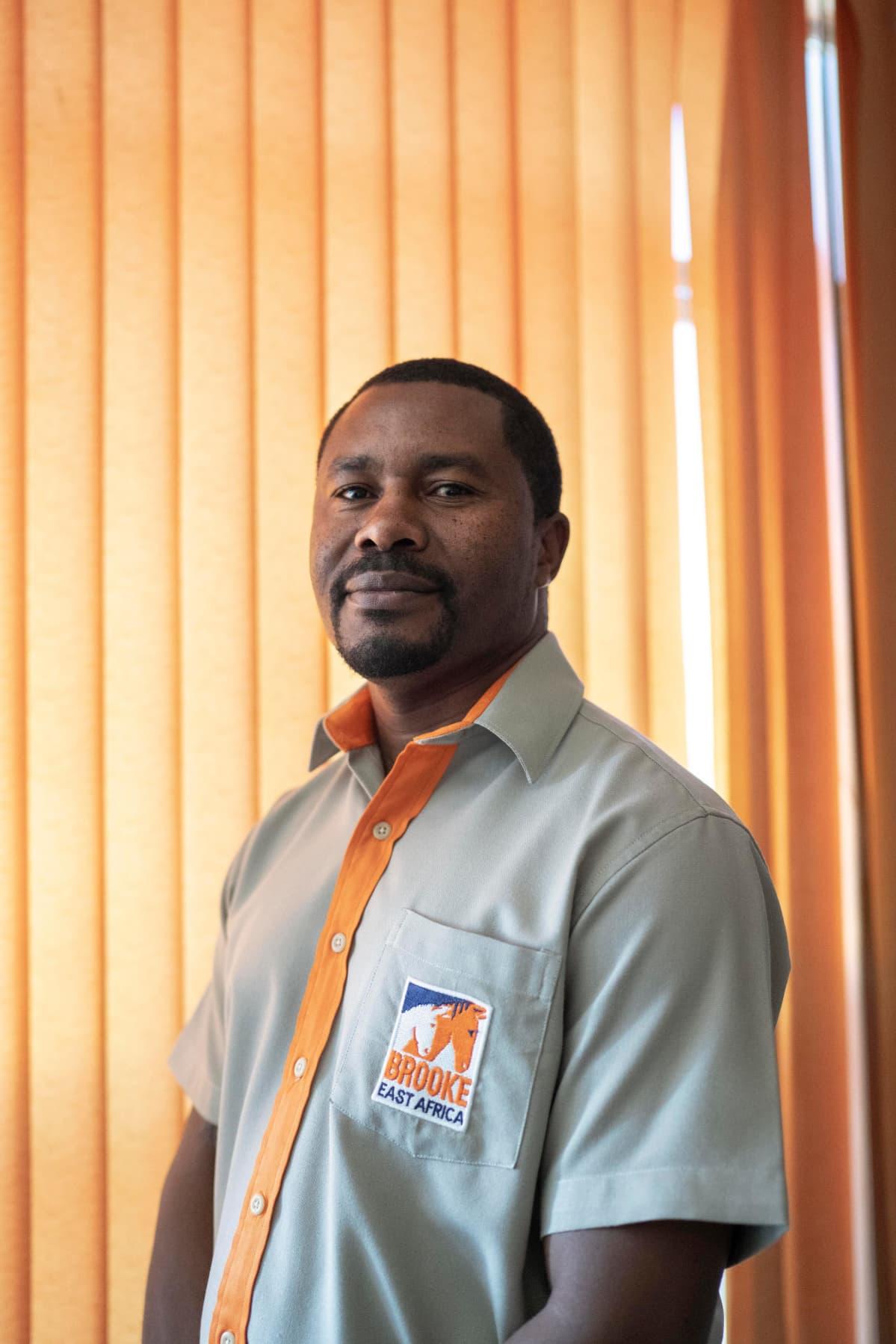 Fred Ochieng Brooke East Africa -järjestöstä kertoo rakastavansa eläimiä.