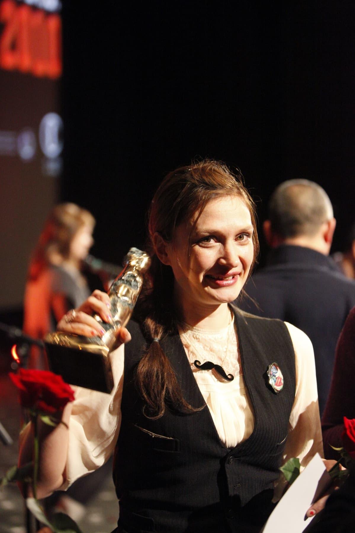 Miia Tervo Tampereen elokuvajuhlien palkintojen jaossa 2010