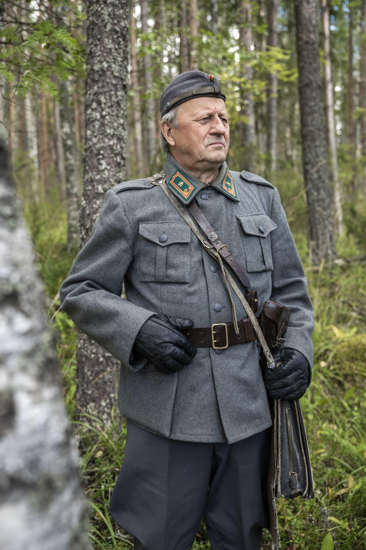 """Vilho Huuskonen, """"Rajakenraali Erkki Raappana"""""""