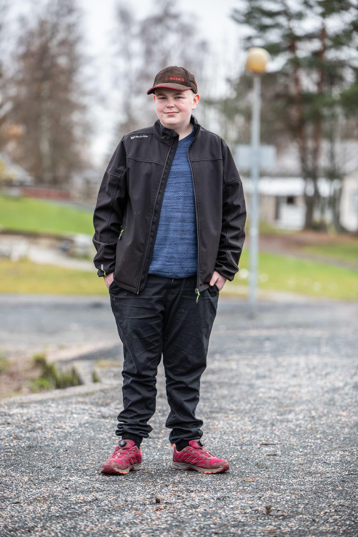 Kaustislainen koululainen Osmo Myllymäki.