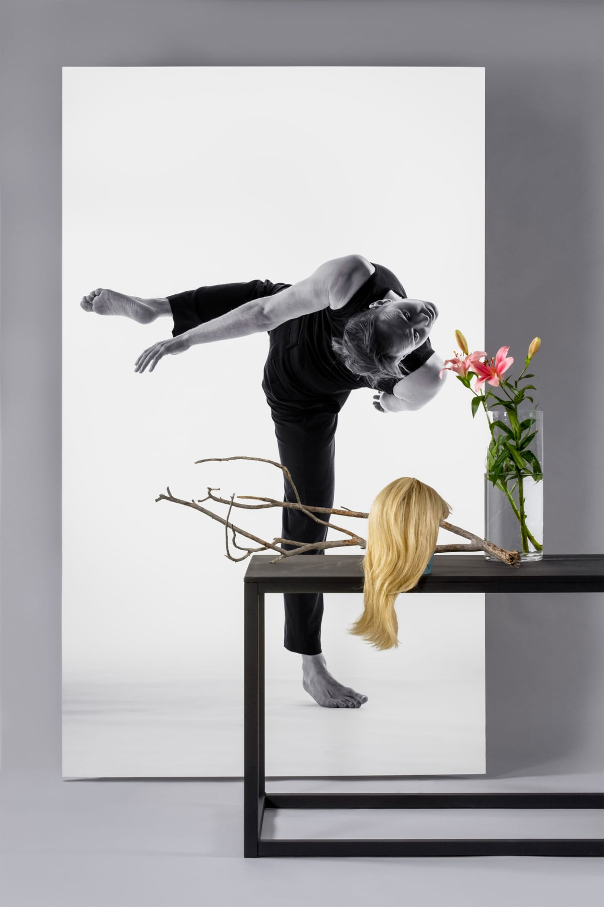 Kaksivärinen fuuga on carl Knifin uusi teos Helsinki dance Companylle.