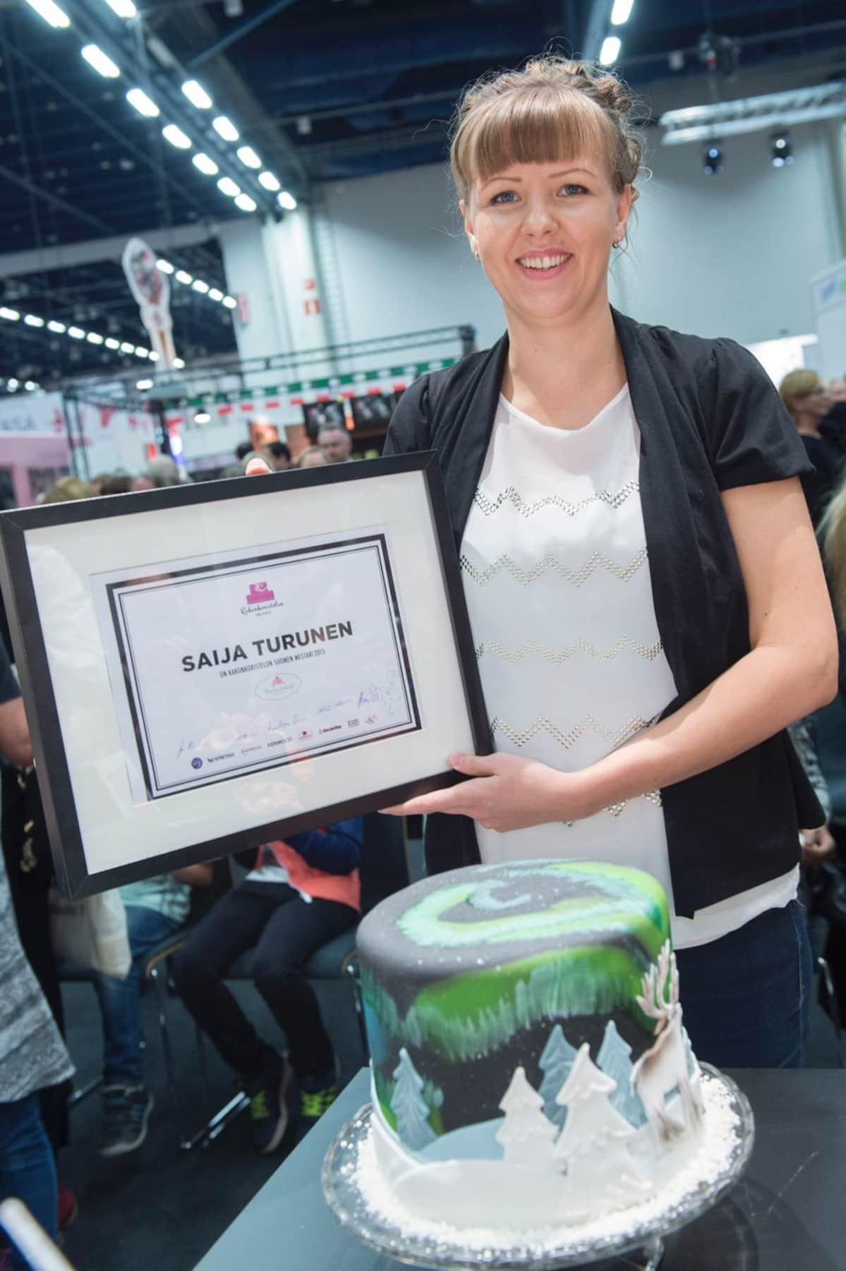 Kakunkoristelun SM -kilpailu amatööreille 2015. Voittaja Saija Turunen