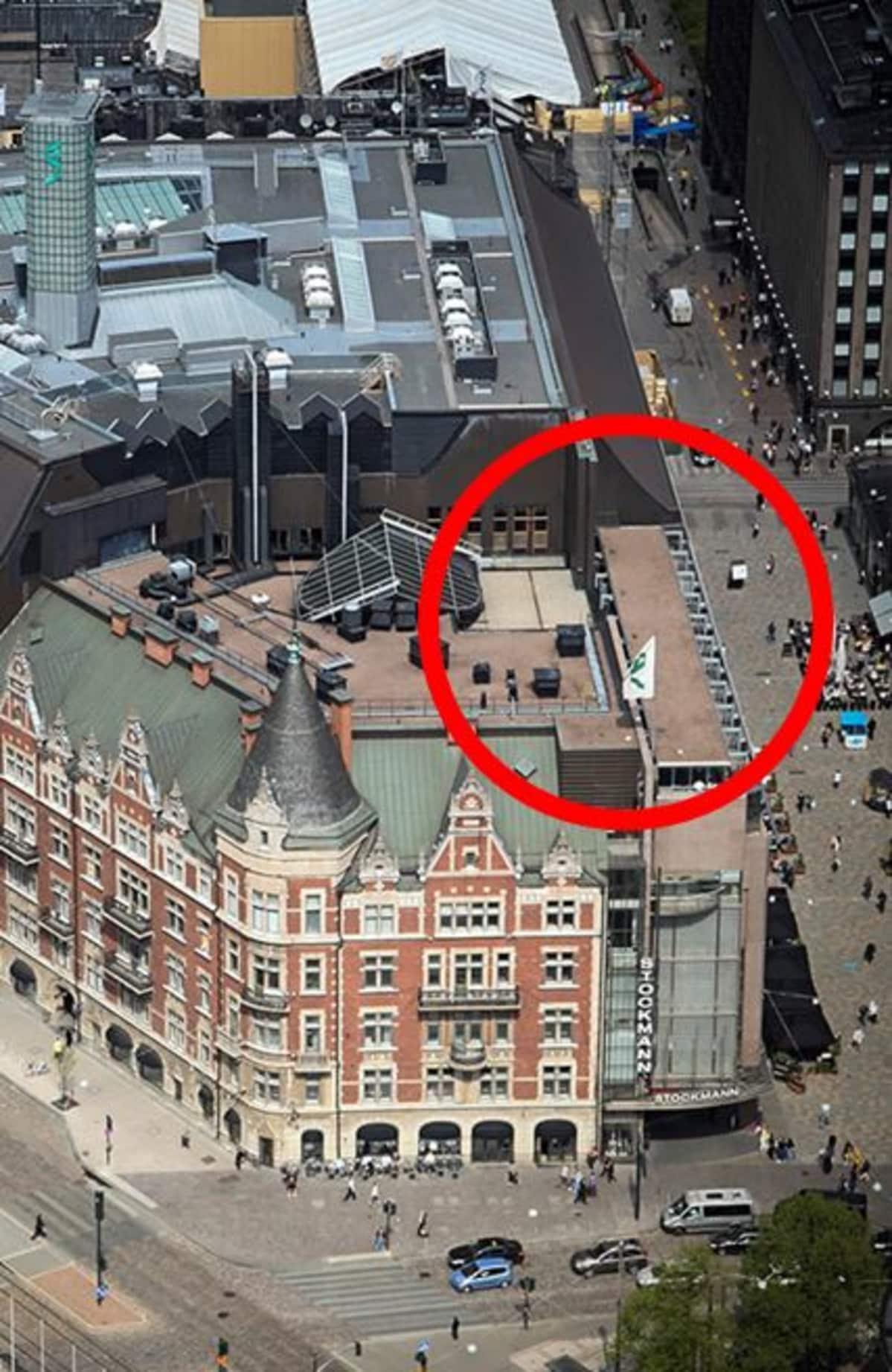 Stockmannin kattoterassi avautuu ensi kuussa punaisella ympyröidyllä alueella.