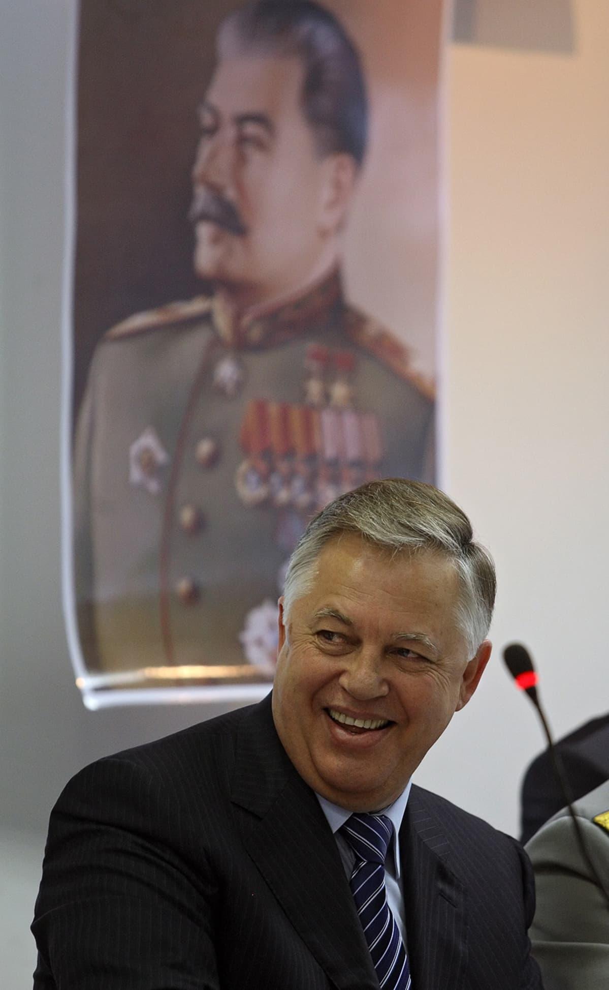 Petro Symonenko kommunististen puolueiden kokouksessa Moskovassa.