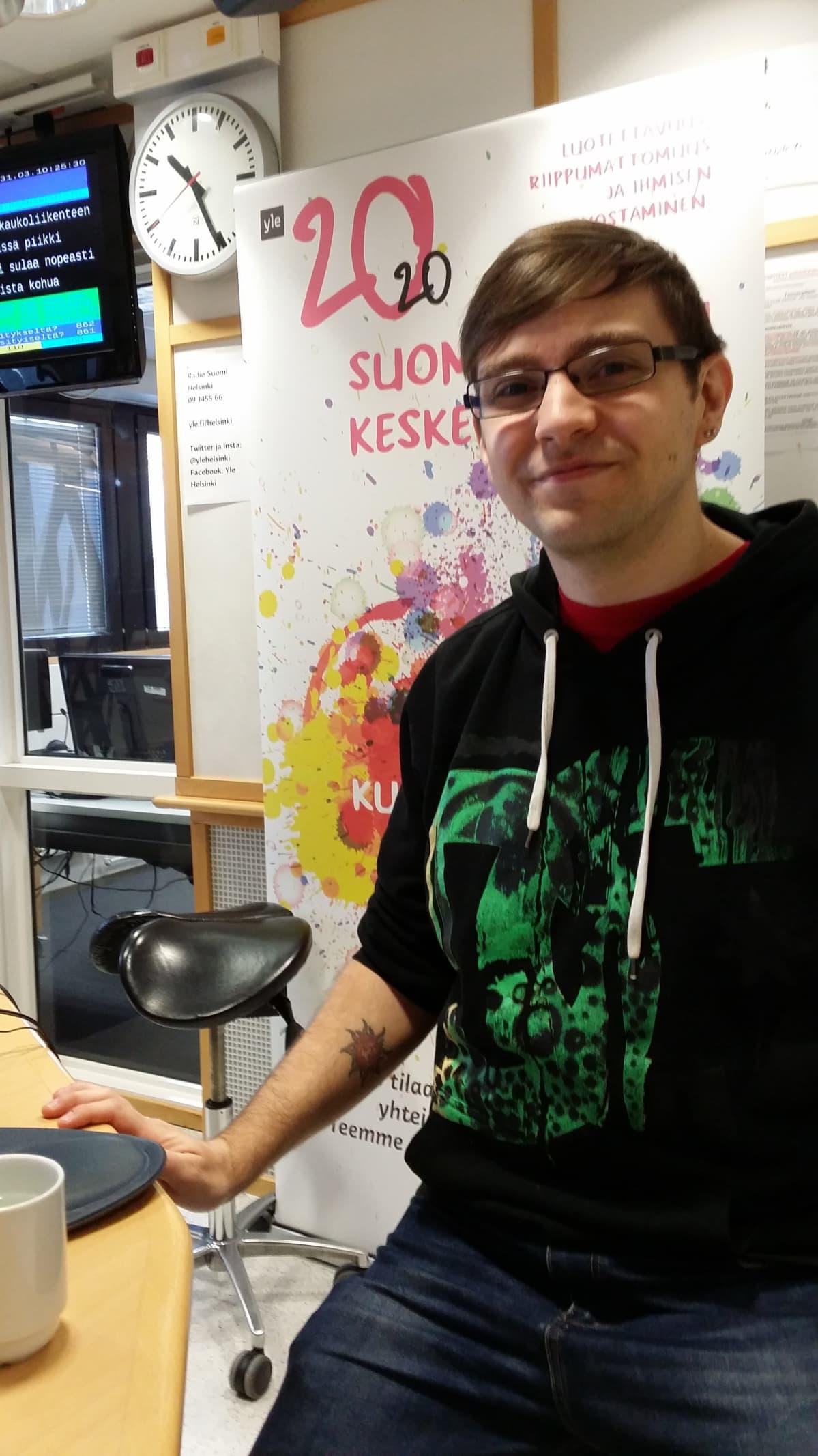 Pelikasvatuksen tutkija Mikko Meriläinen