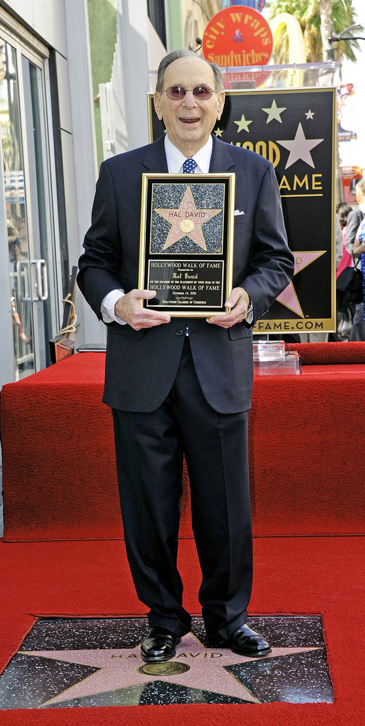 Hal David Hollywoodin Walk of Fame tapahtumassa 14. Lokakuuta 2011.