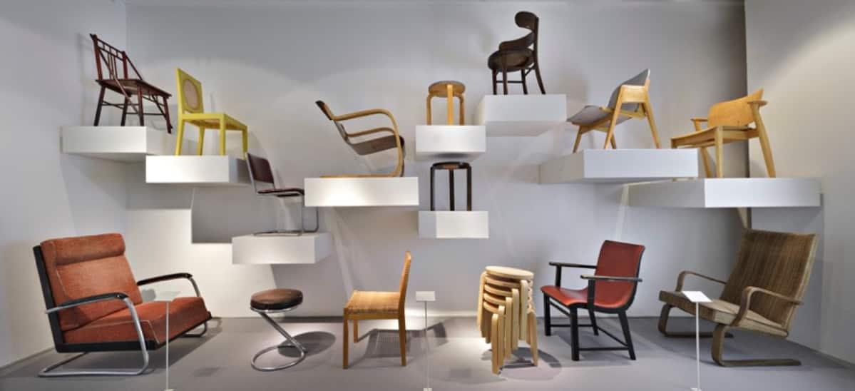 Designmuseon kokoelmanäyttely Suomalainen muoto esittelee alan kotimaista kultakautta.