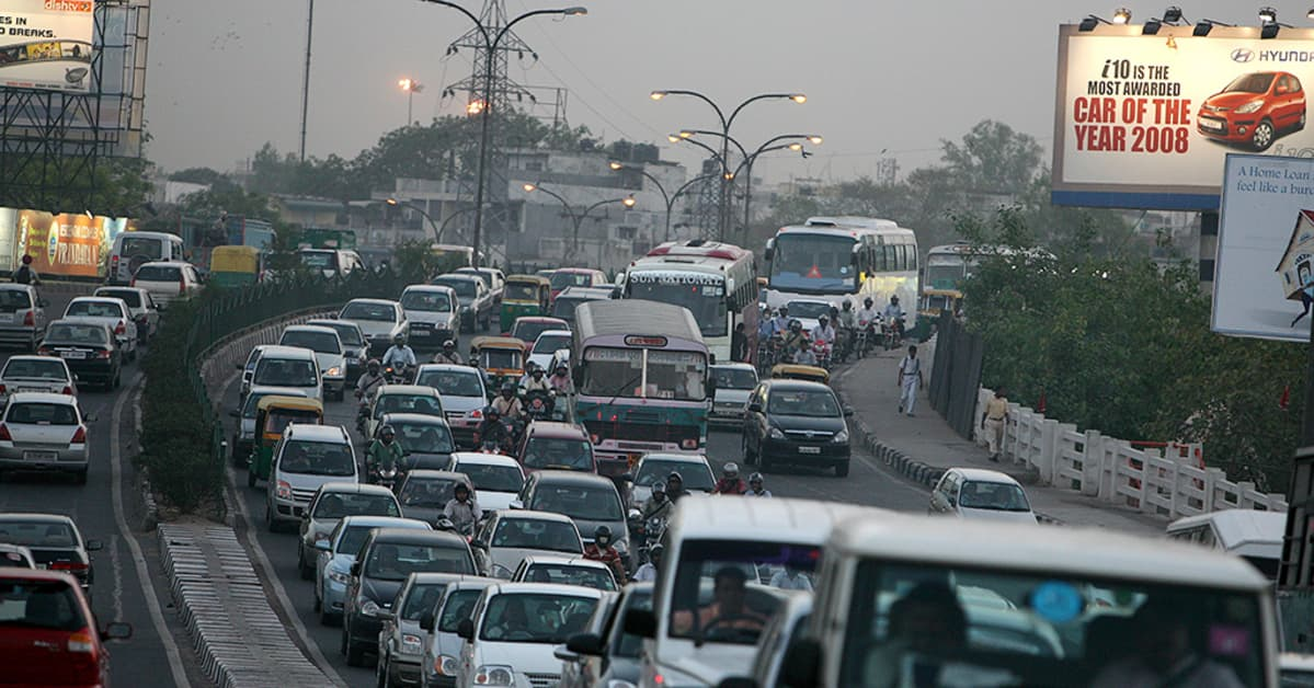 Liikenneruuhka Delhissä.
