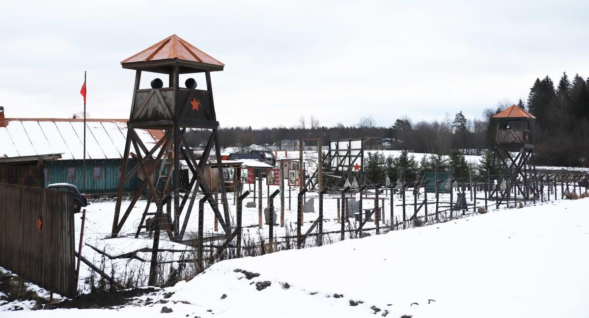Vankileiri-aiheinen teemapuisto Venäjällä Leningradin alueella