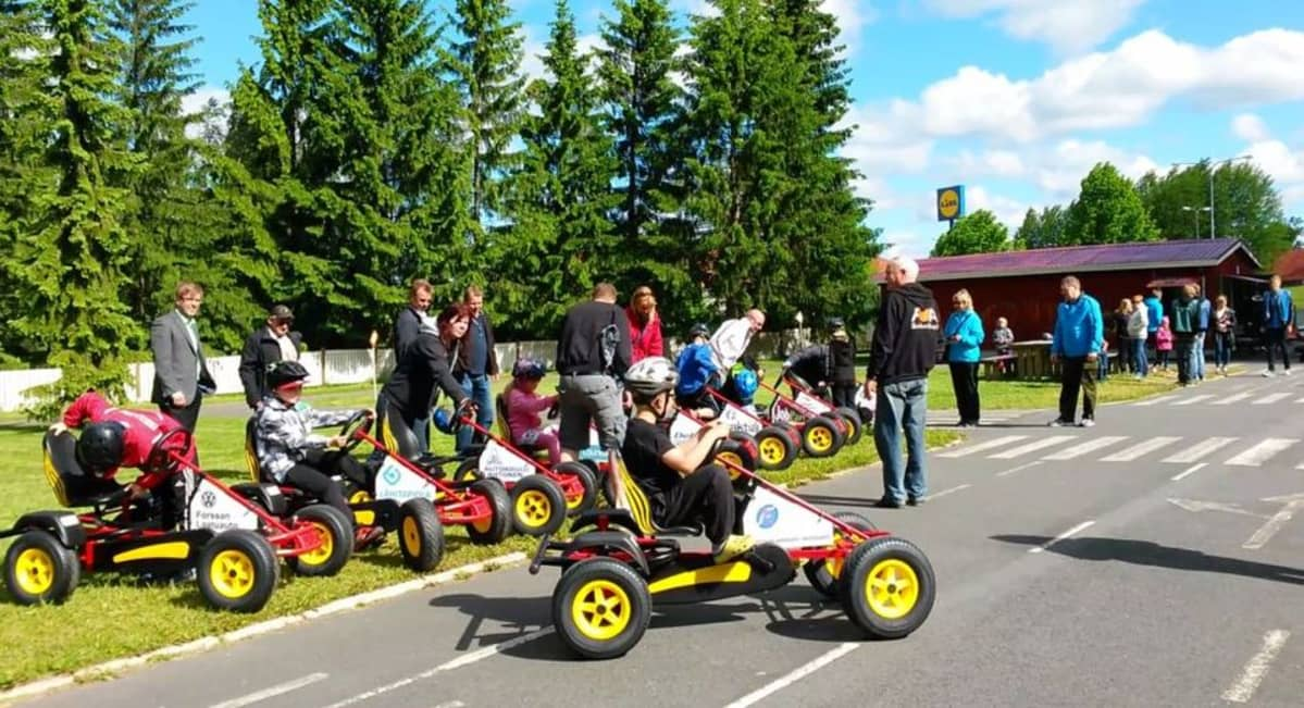 Forssan liikennepuiston uudet polkuautot