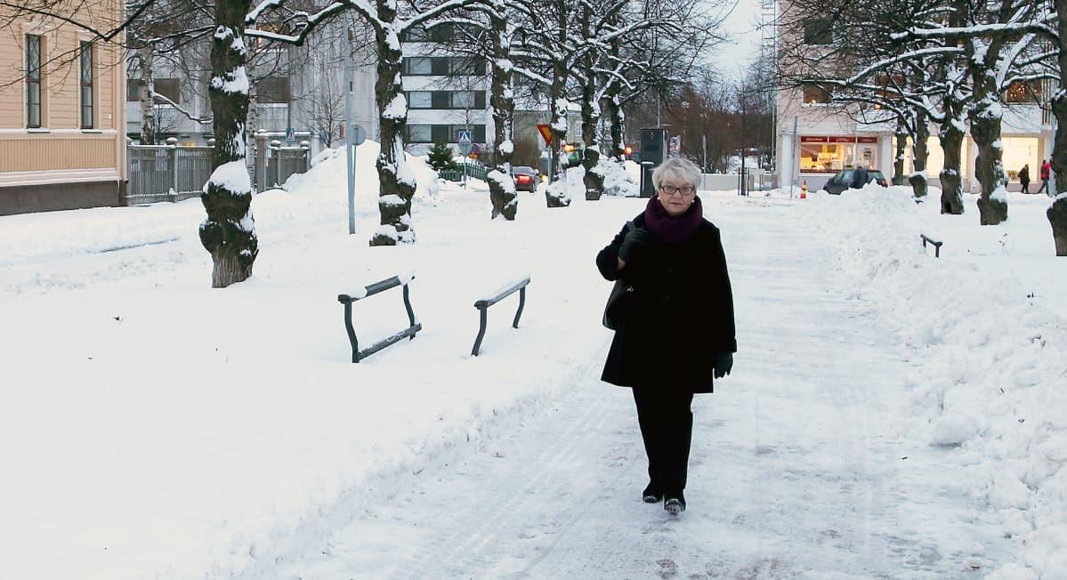 Marja Irjala kotimaisemissaan Oulussa