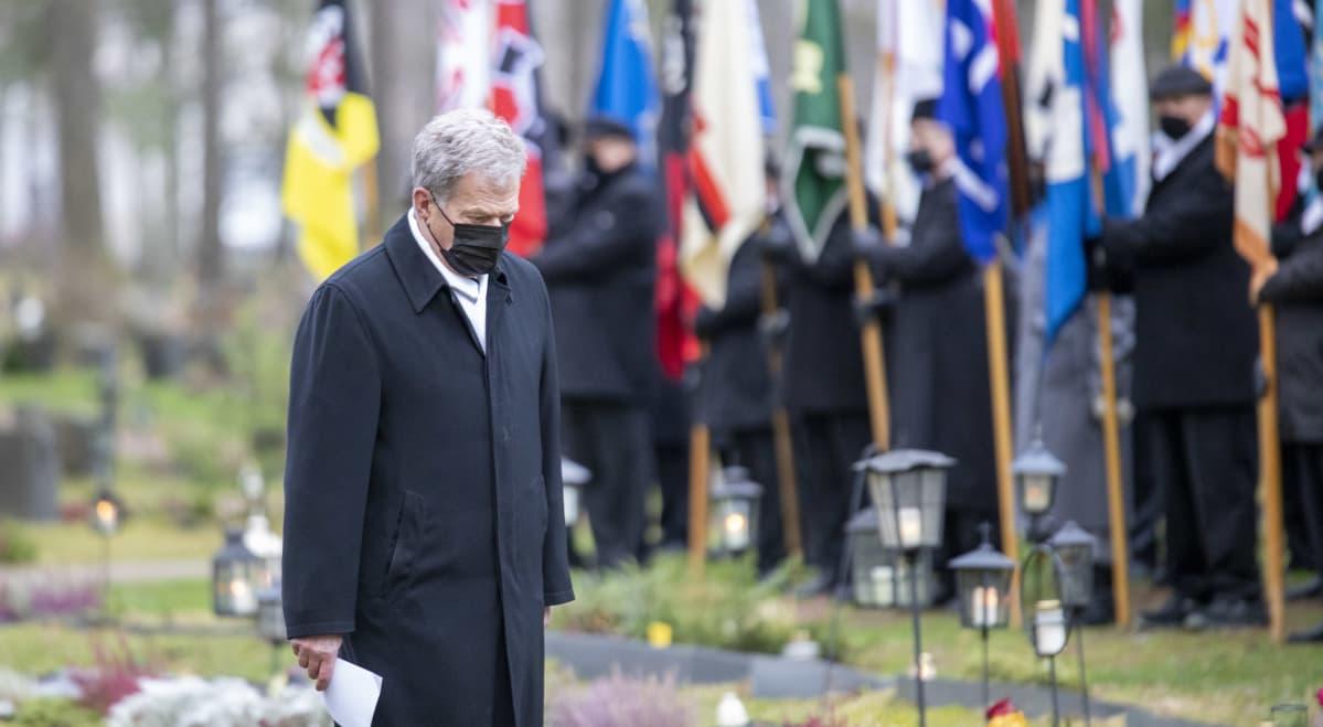 Sauli Niinistö Tuomas Gerdtin hautajaisissa.