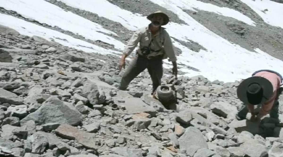Hylyn jäänteitä Andien vuoristossa.