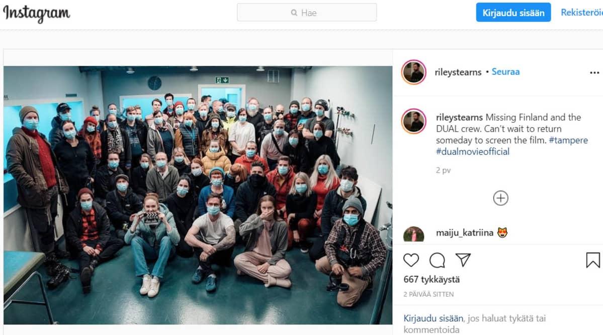 Riley Stearnsin Instagram-sivu. Ryhmäkuva.