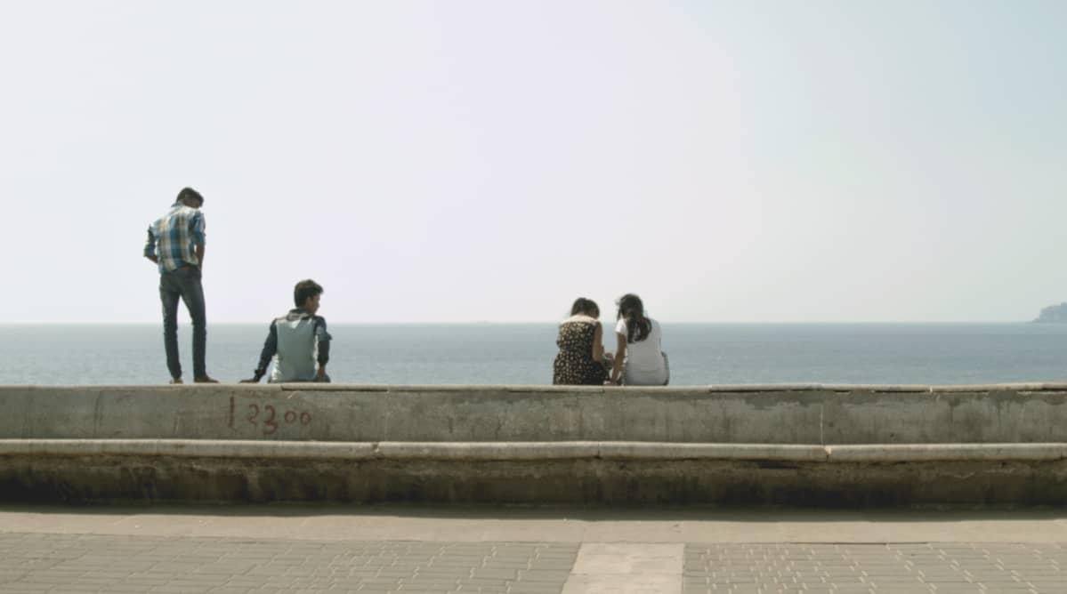 Miehen malli-elokuva, pojat ja tytöt rannalla