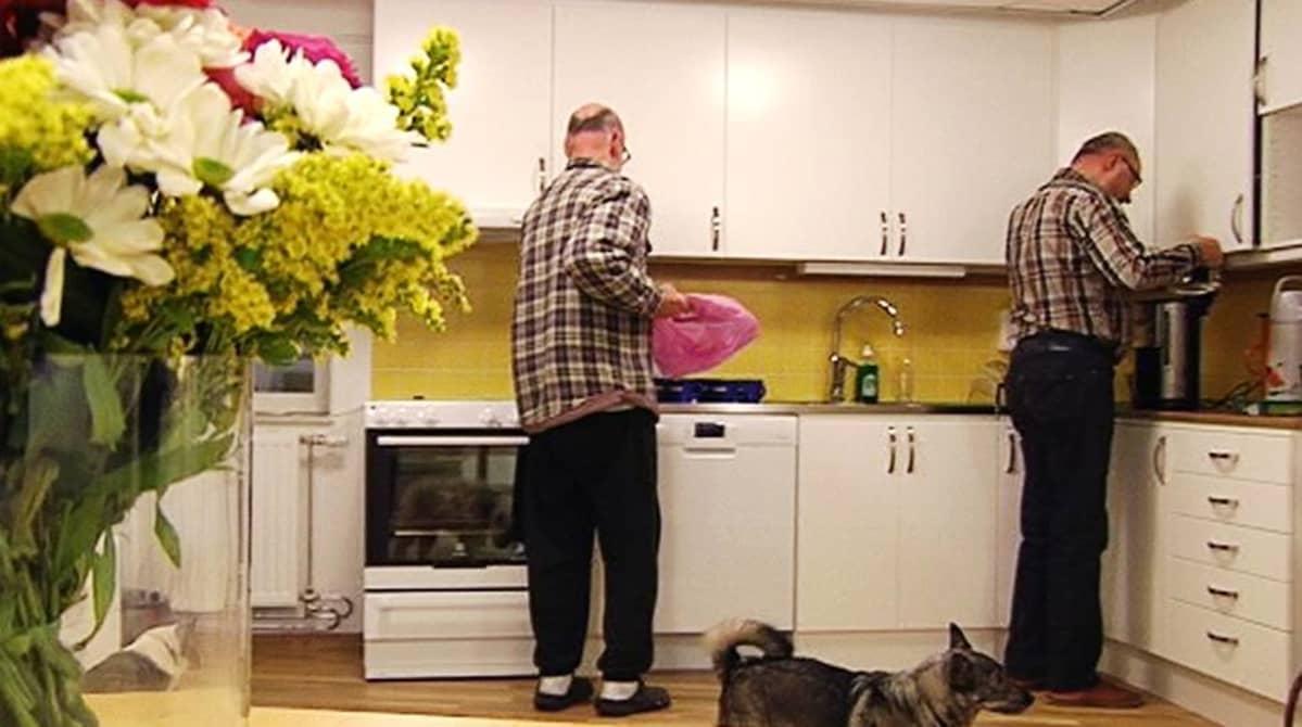 Senioritalon asukkaita Tukholmassa.